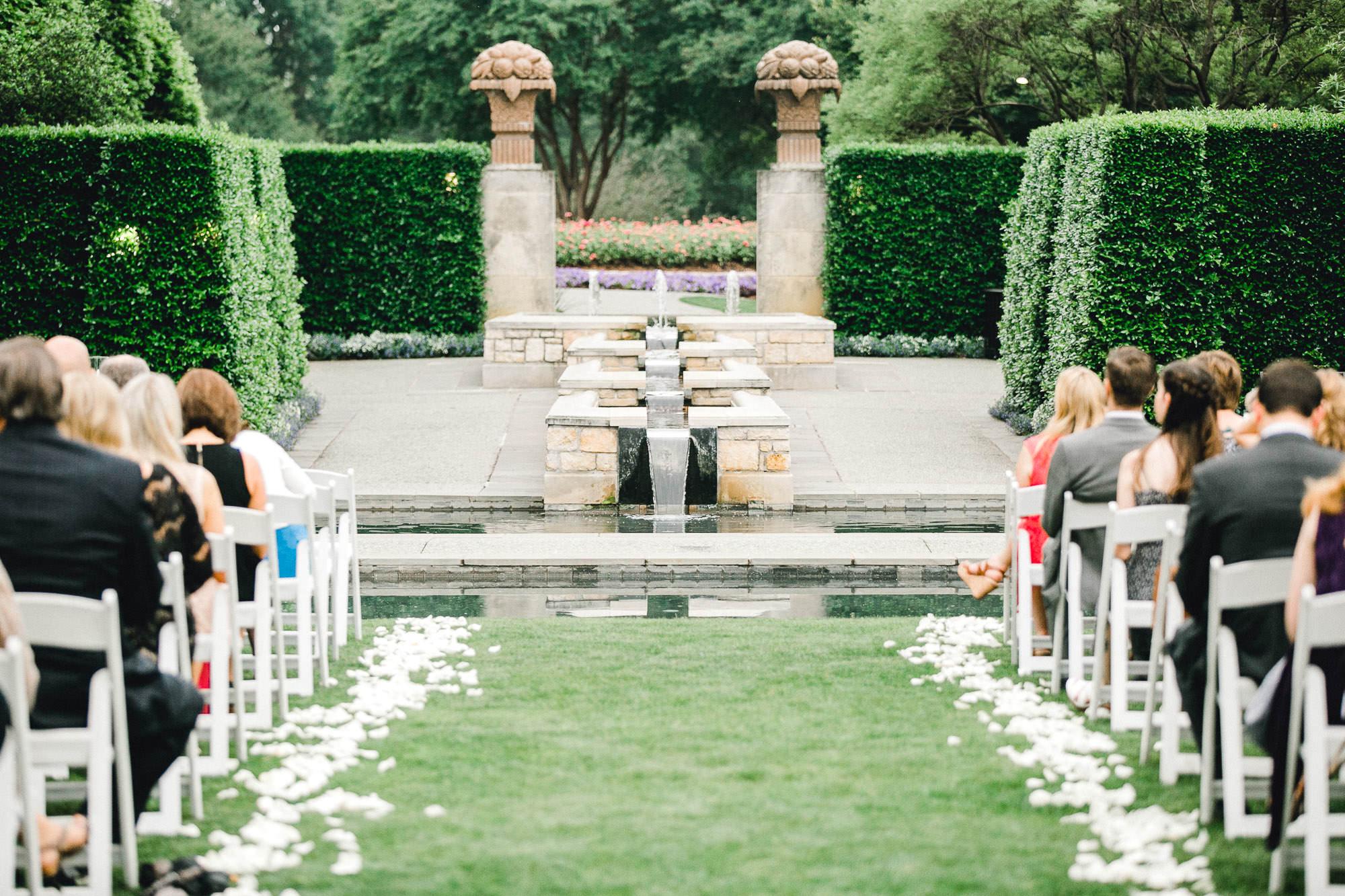 addie-michael-dallas-arboretum-weddings0066.jpg