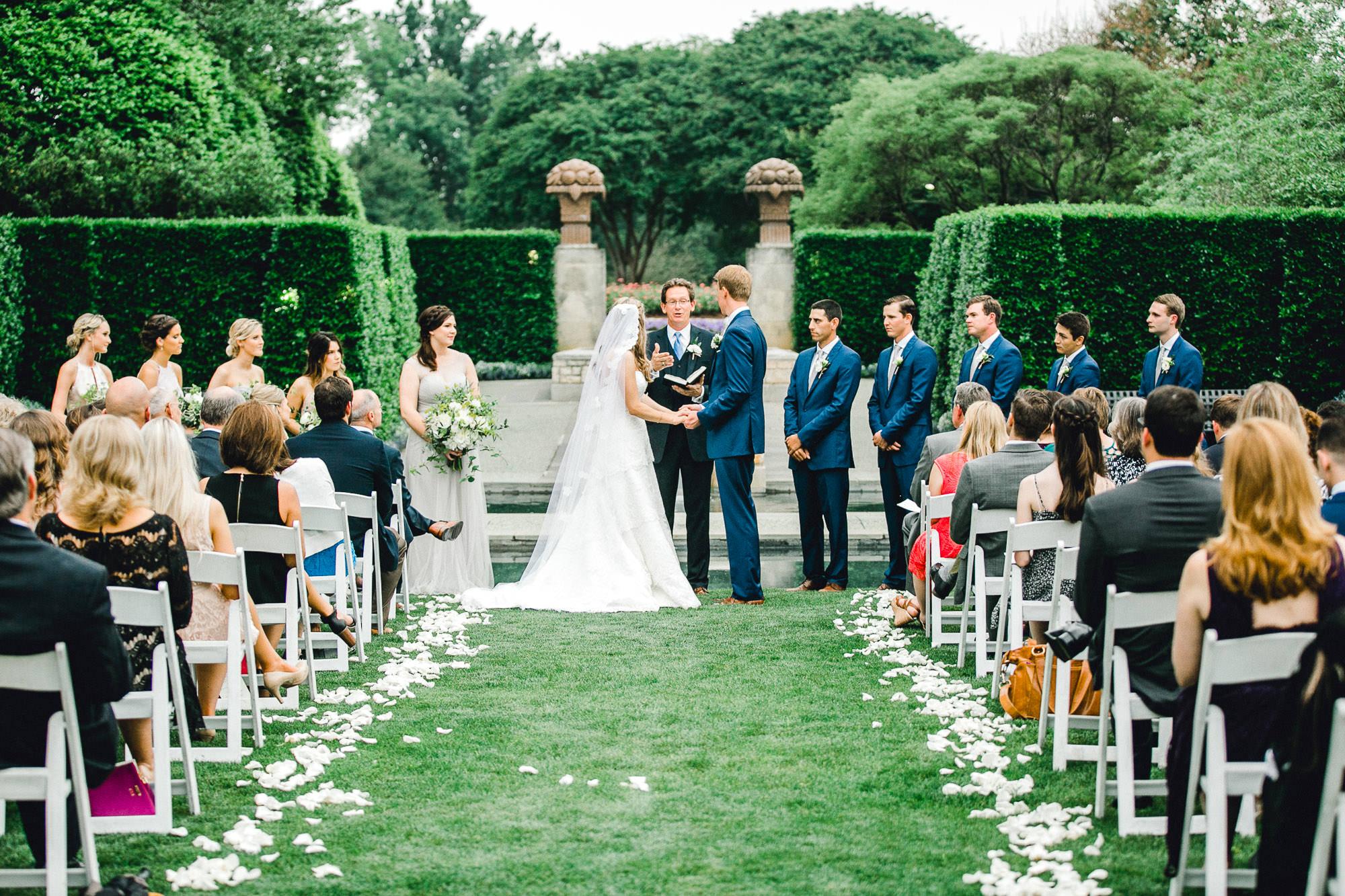 addie-michael-dallas-arboretum-weddings0088.jpg