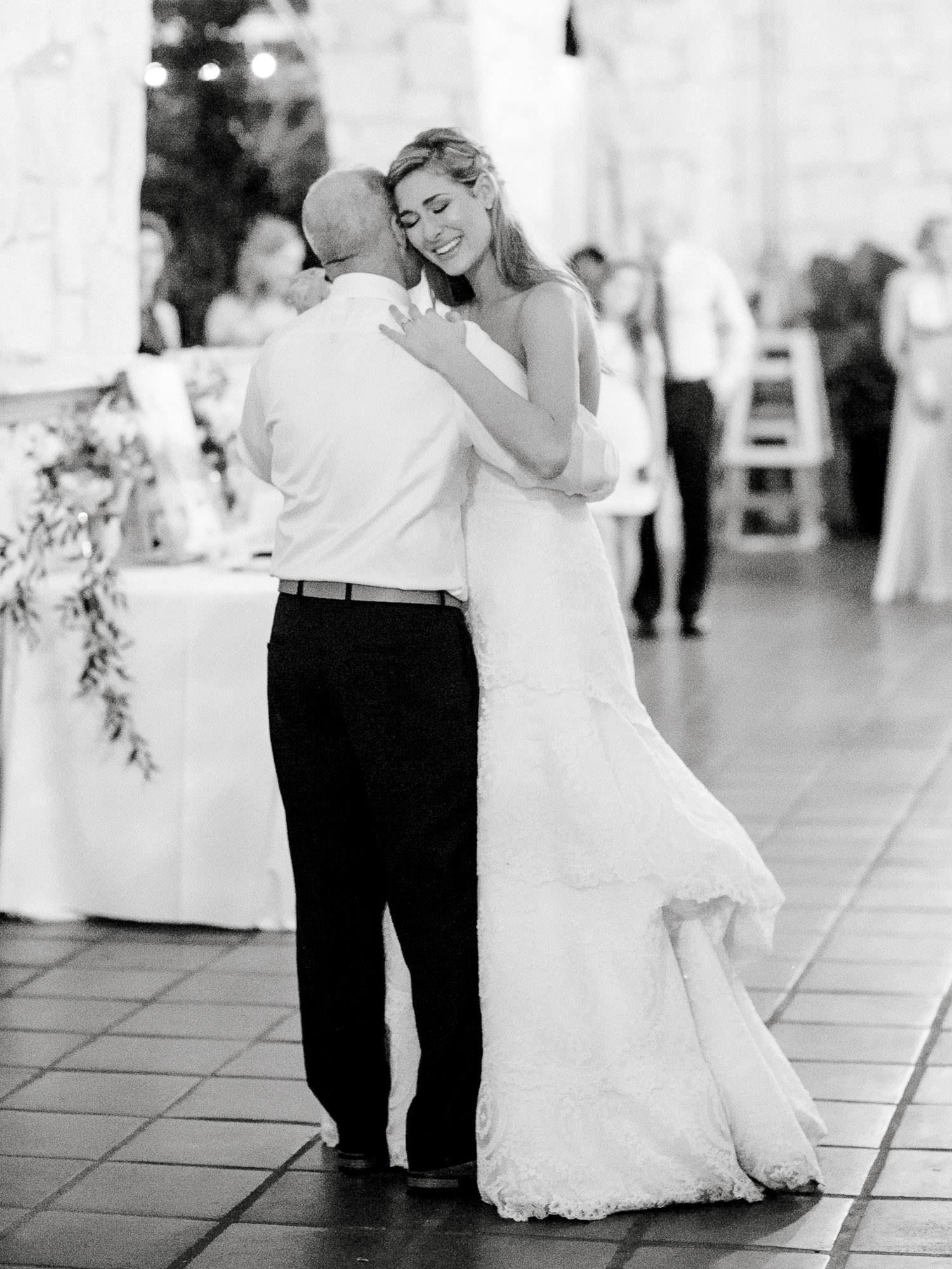 addie-michael-dallas-arboretum-weddings0106.jpg