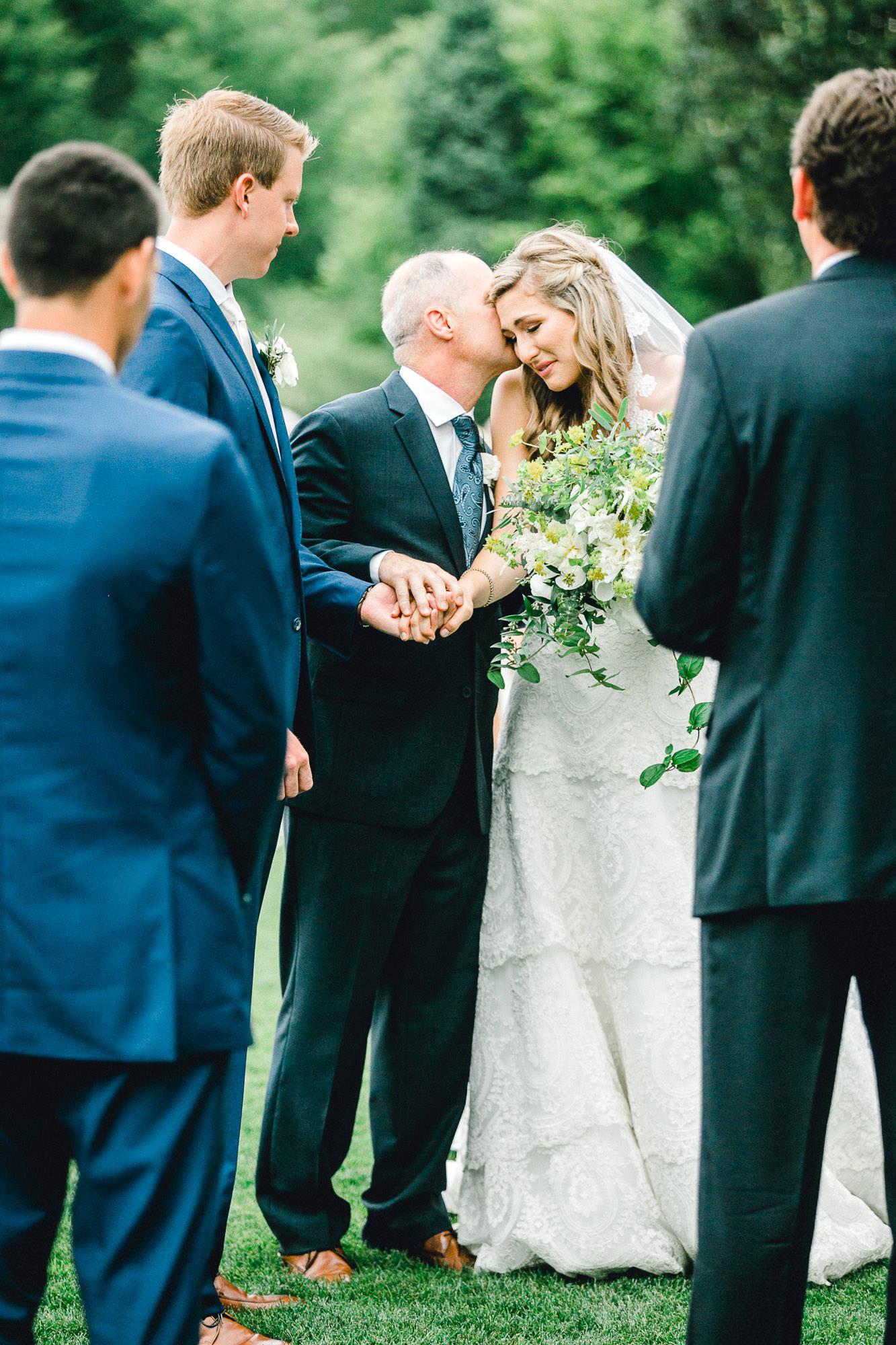 addie-michael-dallas-arboretum-weddings0086.jpg