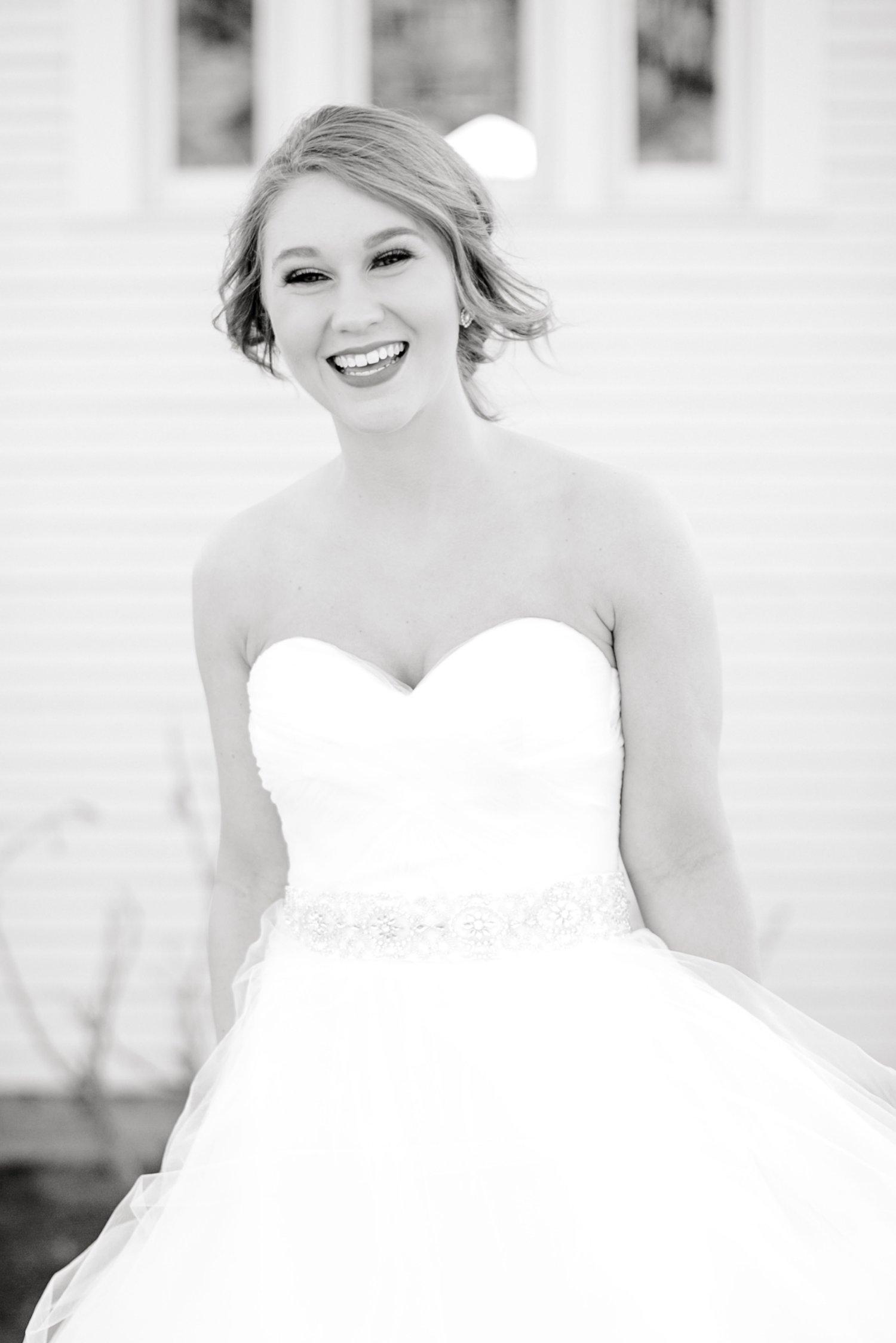 Kaila-cox-bridals-lubbock-photographer0005.jpg