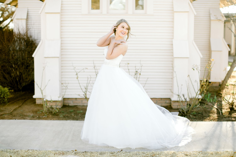 Kaila-cox-bridals-lubbock-photographer0006.jpg