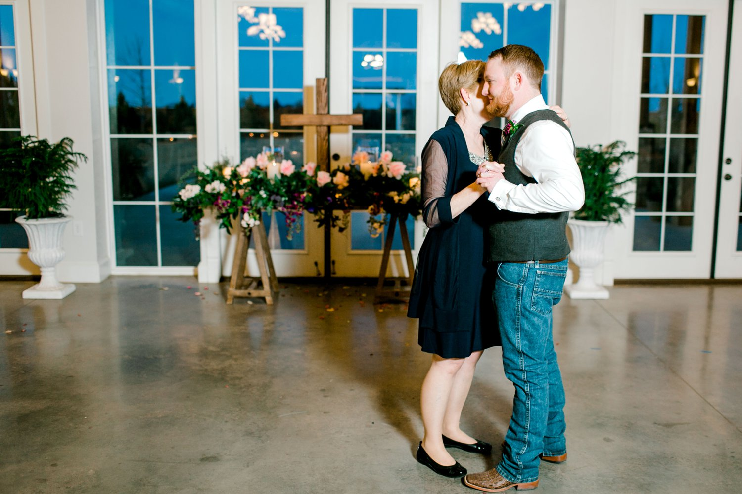Autumn-Oaks-Events-Morgan-Andy-Lane-Wedding-Lubbock-Photography__0102.jpg