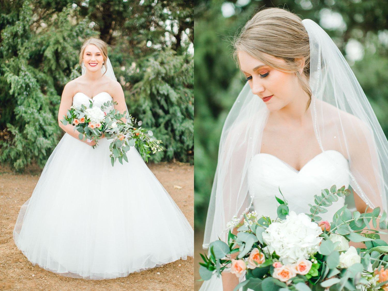 kayla-jacob-dow-cotton-creek-barn-lubbock-wedding-photographer-alleej0025.jpg