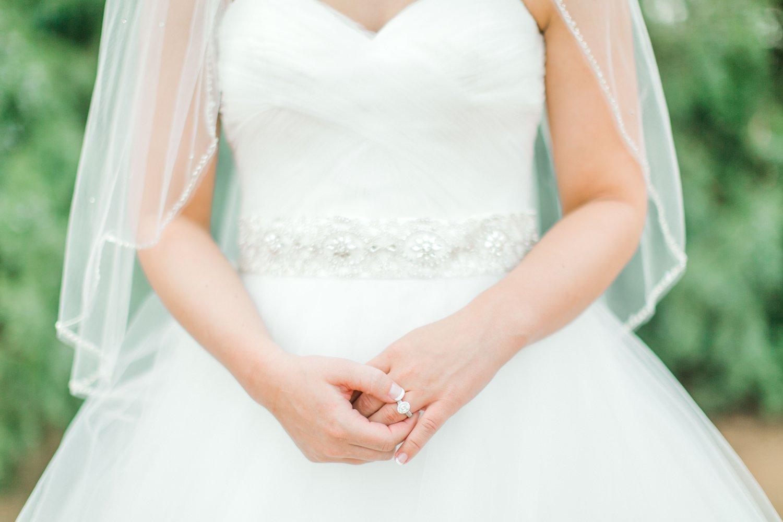 kayla-jacob-dow-cotton-creek-barn-lubbock-wedding-photographer-alleej0031.jpg
