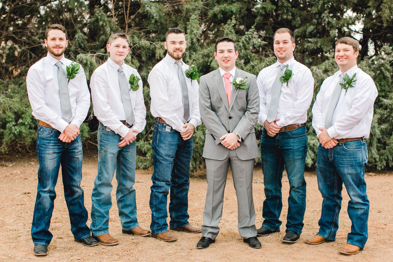 kayla-jacob-dow-cotton-creek-barn-lubbock-wedding-photographer-alleej0043.jpg