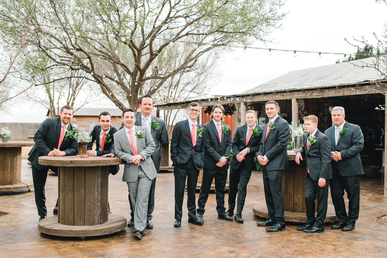 kayla-jacob-dow-cotton-creek-barn-lubbock-wedding-photographer-alleej0055.jpg