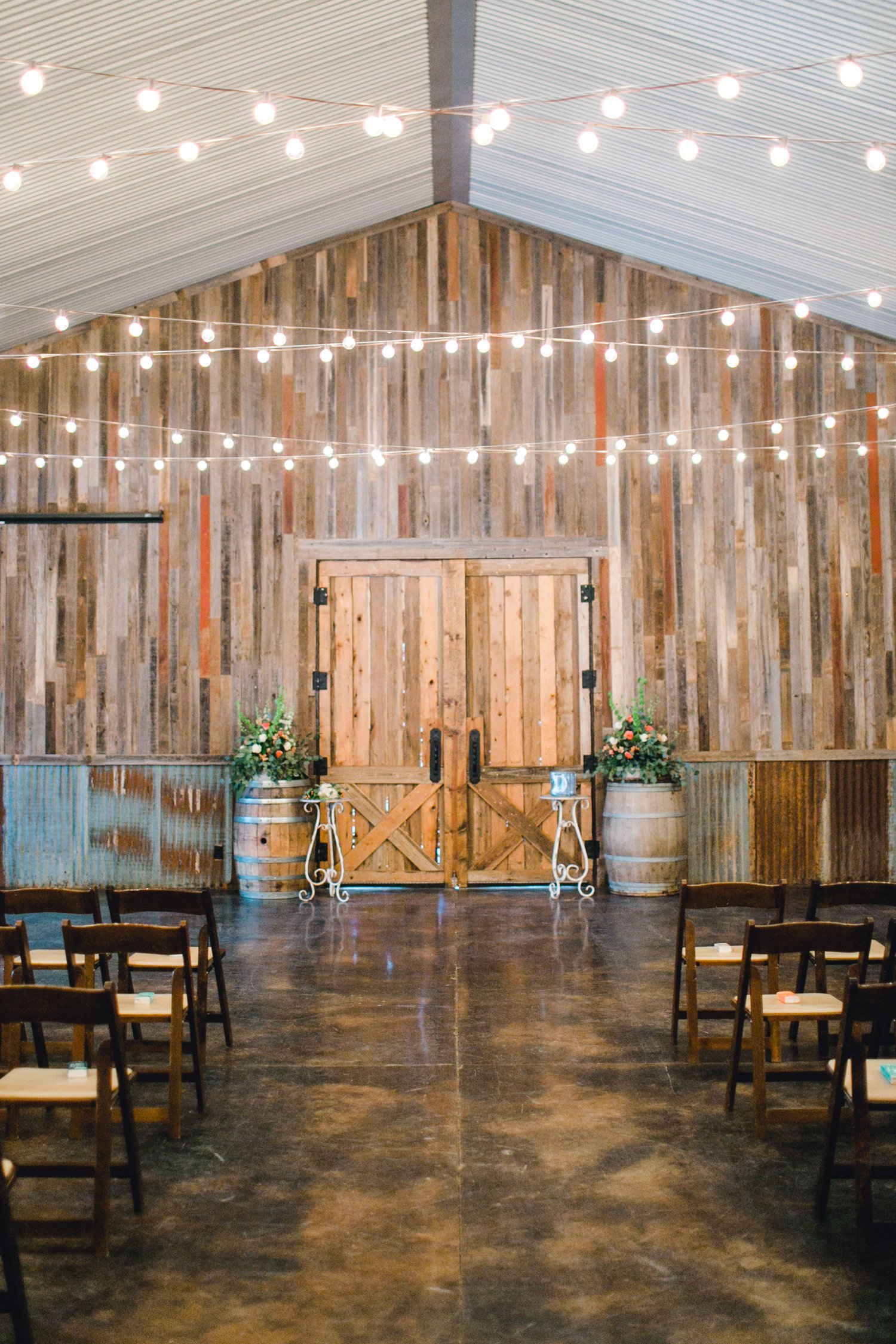 kayla-jacob-dow-cotton-creek-barn-lubbock-wedding-photographer-alleej0063.jpg