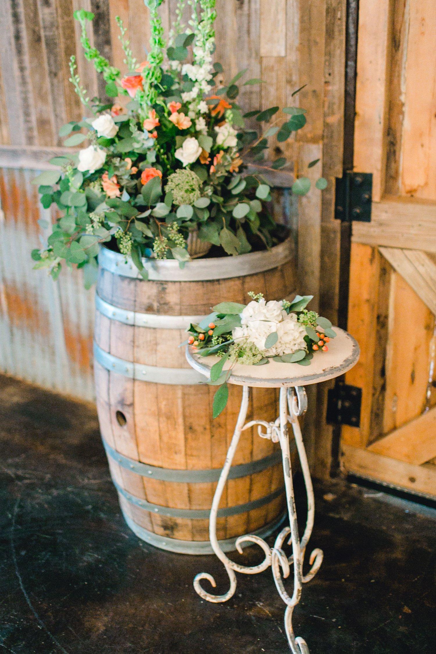 kayla-jacob-dow-cotton-creek-barn-lubbock-wedding-photographer-alleej0064.jpg