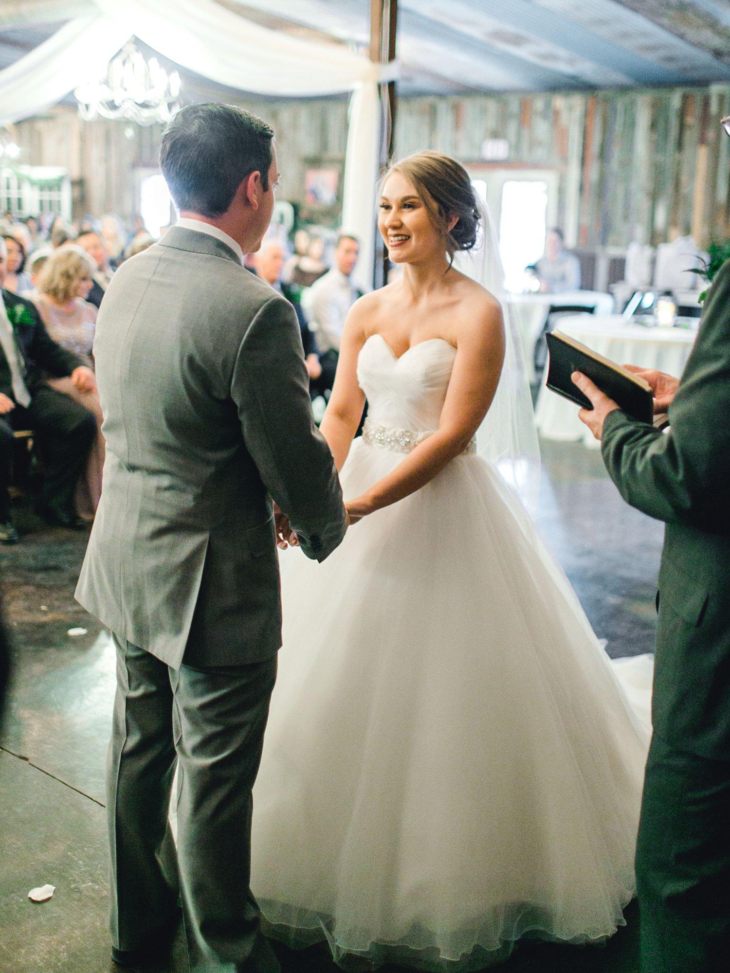 kayla-jacob-dow-cotton-creek-barn-lubbock-wedding-photographer-alleej0082.jpg