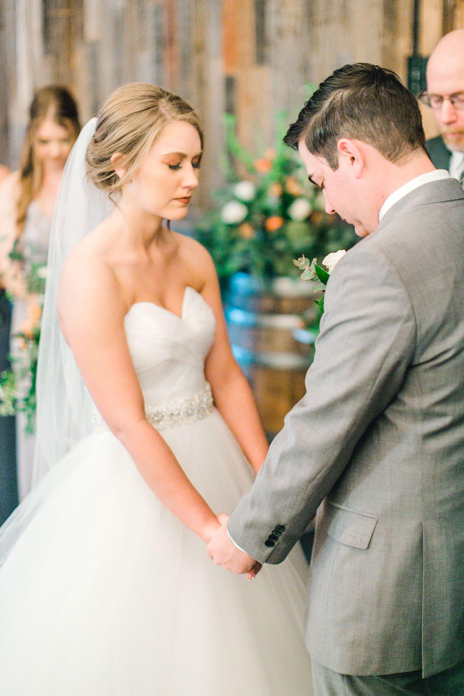 kayla-jacob-dow-cotton-creek-barn-lubbock-wedding-photographer-alleej0087.jpg