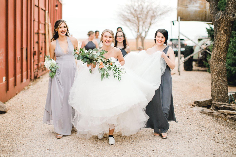 kayla-jacob-dow-cotton-creek-barn-lubbock-wedding-photographer-alleej0097.jpg