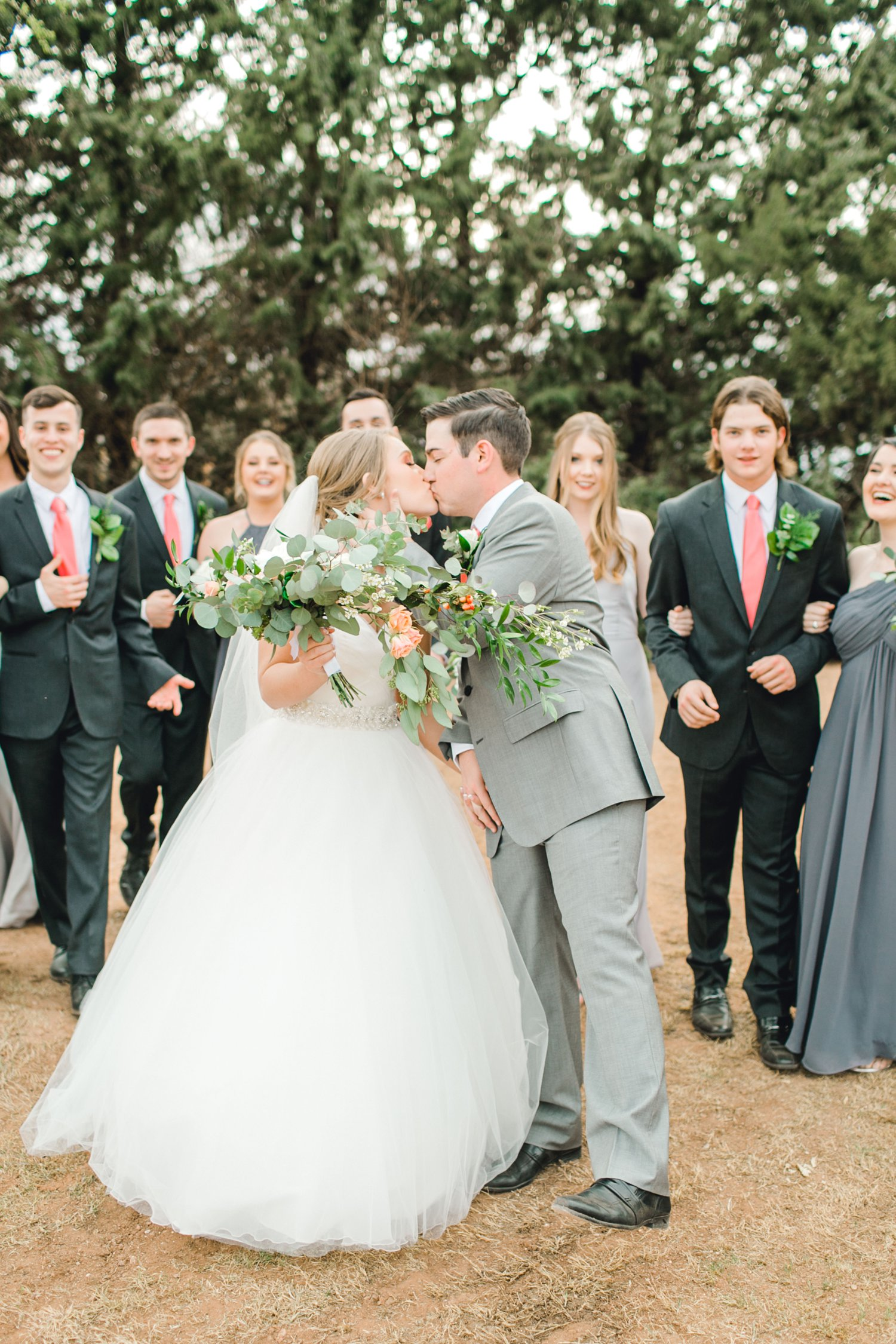 kayla-jacob-dow-cotton-creek-barn-lubbock-wedding-photographer-alleej0107.jpg
