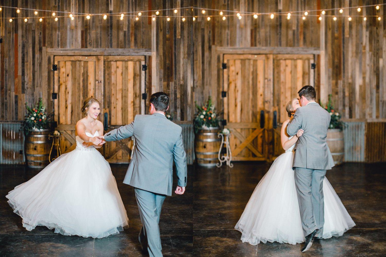 kayla-jacob-dow-cotton-creek-barn-lubbock-wedding-photographer-alleej0139.jpg