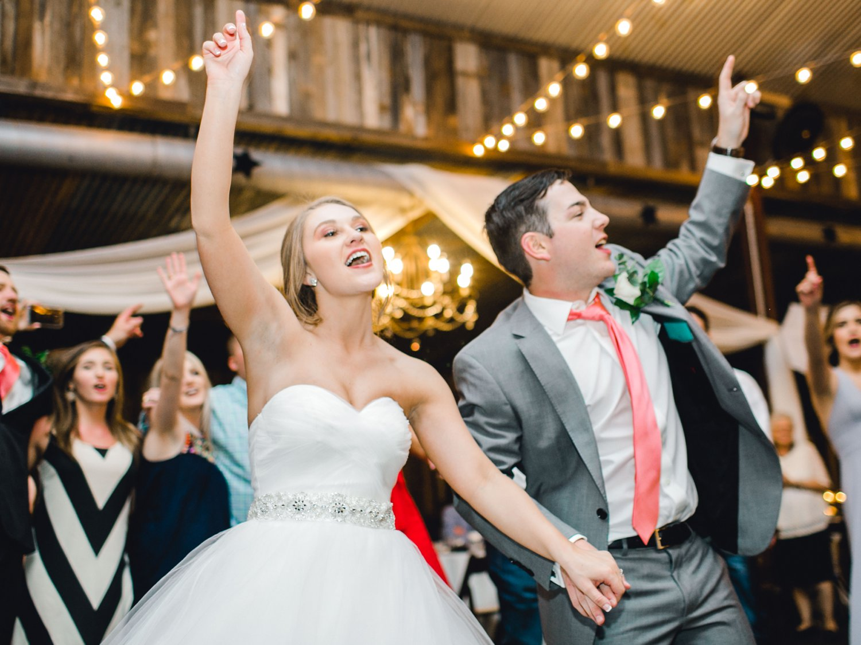 kayla-jacob-dow-cotton-creek-barn-lubbock-wedding-photographer-alleej0153.jpg
