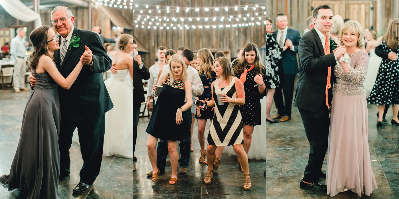 kayla-jacob-dow-cotton-creek-barn-lubbock-wedding-photographer-alleej0157.jpg