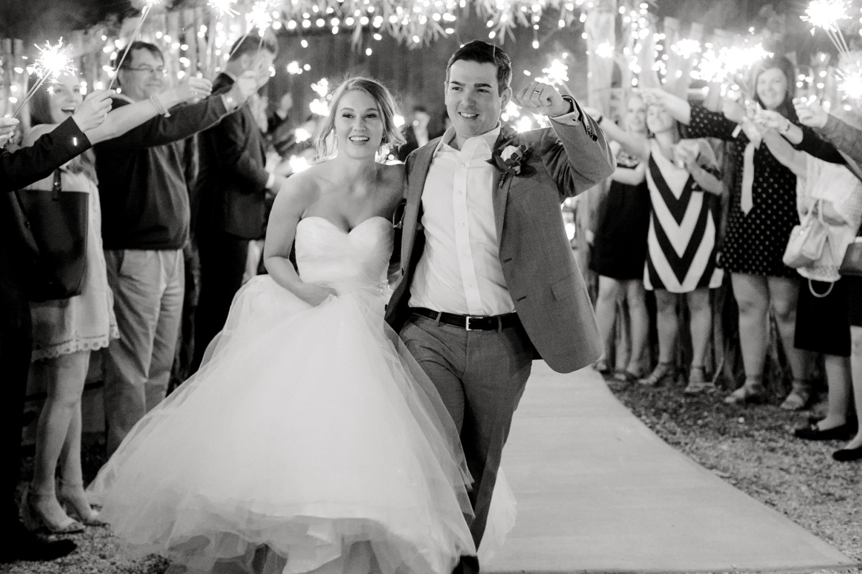kayla-jacob-dow-cotton-creek-barn-lubbock-wedding-photographer-alleej0165.jpg
