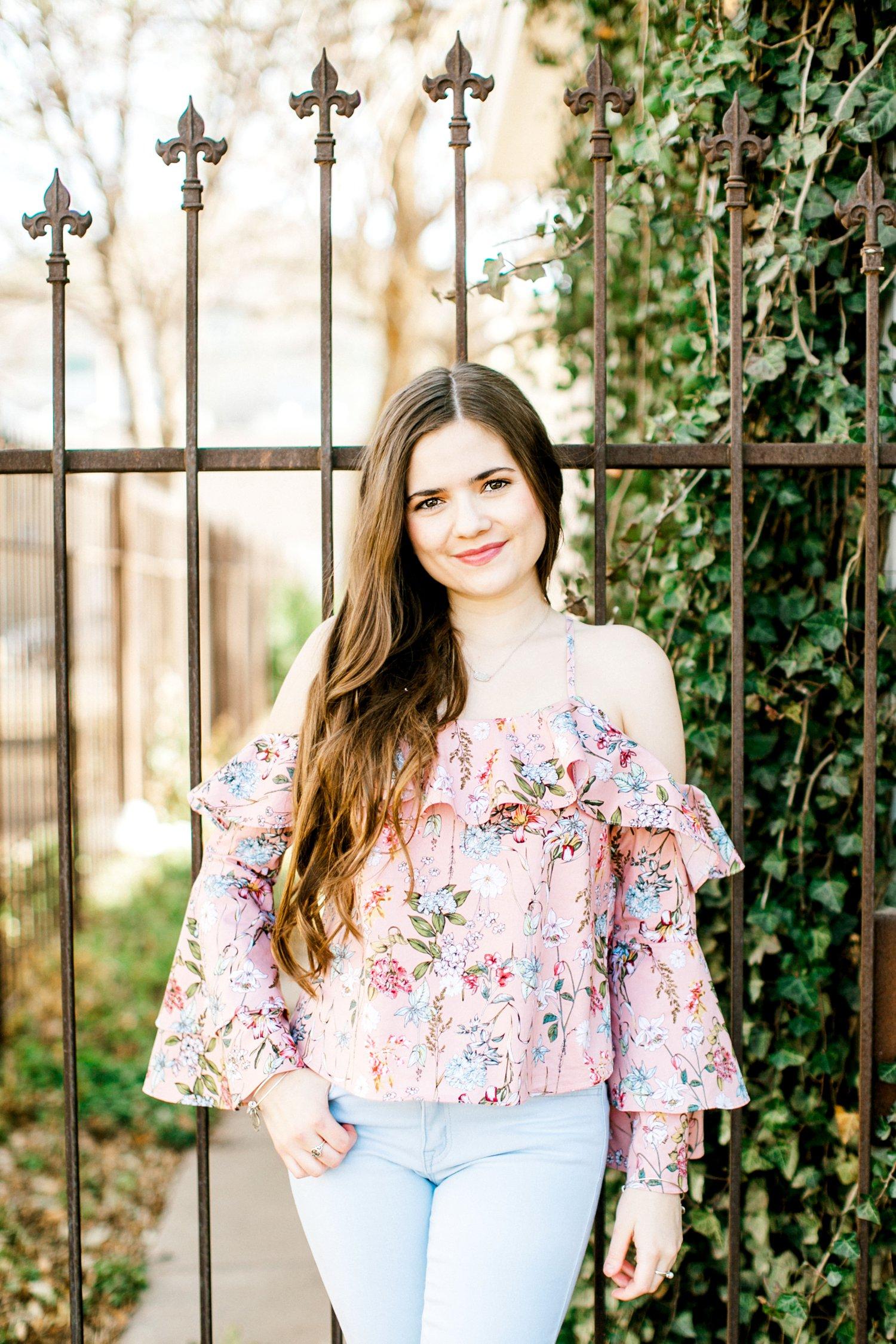 Emma-Stapleton-High-School-Senior-Photographer-Lubbock_0001.jpg