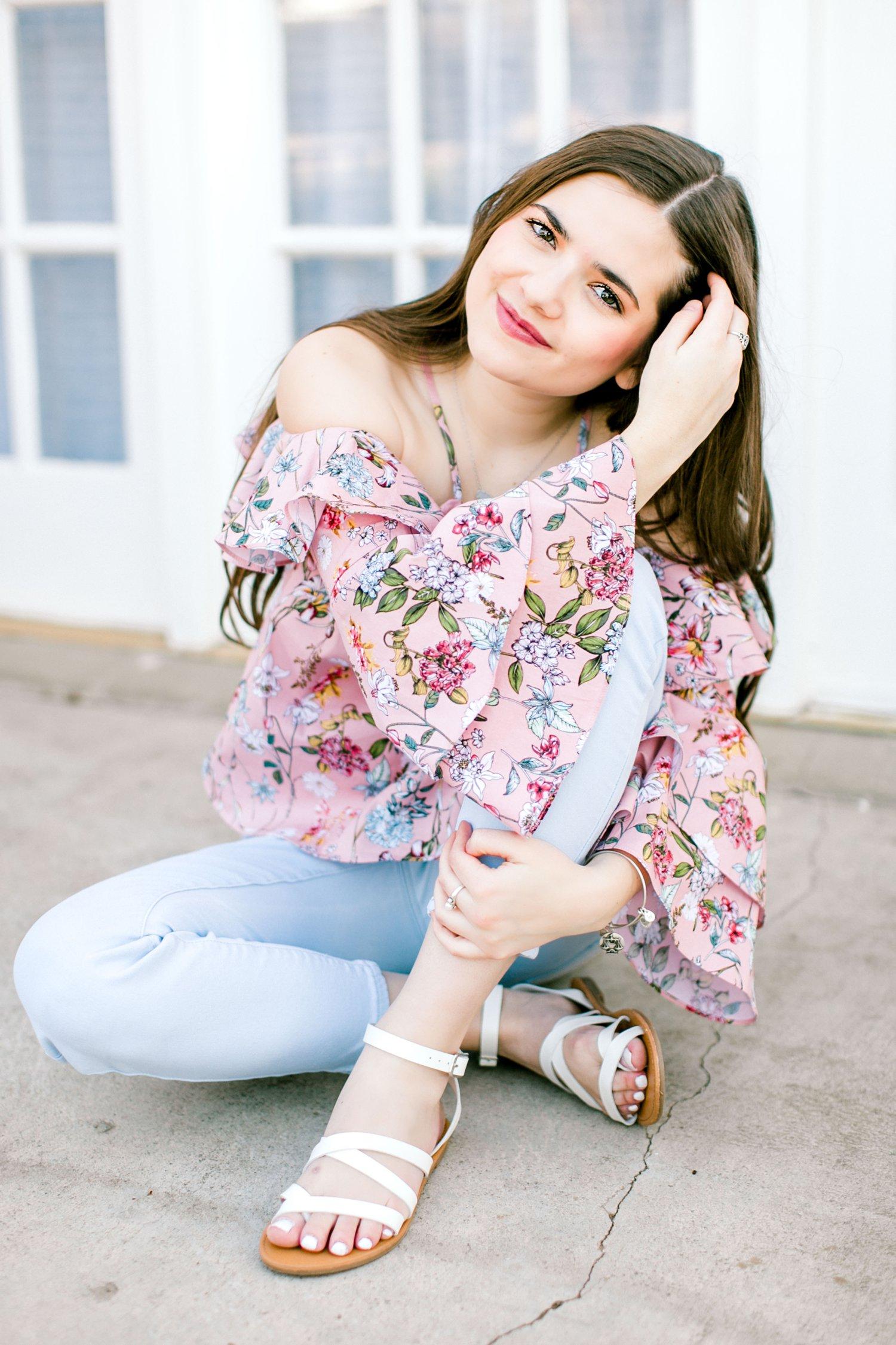 Emma-Stapleton-High-School-Senior-Photographer-Lubbock_0005.jpg