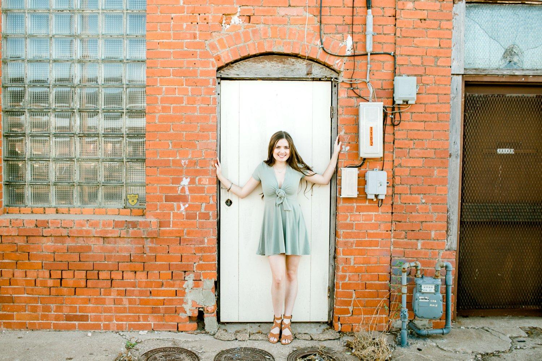 Emma-Stapleton-High-School-Senior-Photographer-Lubbock_0025.jpg