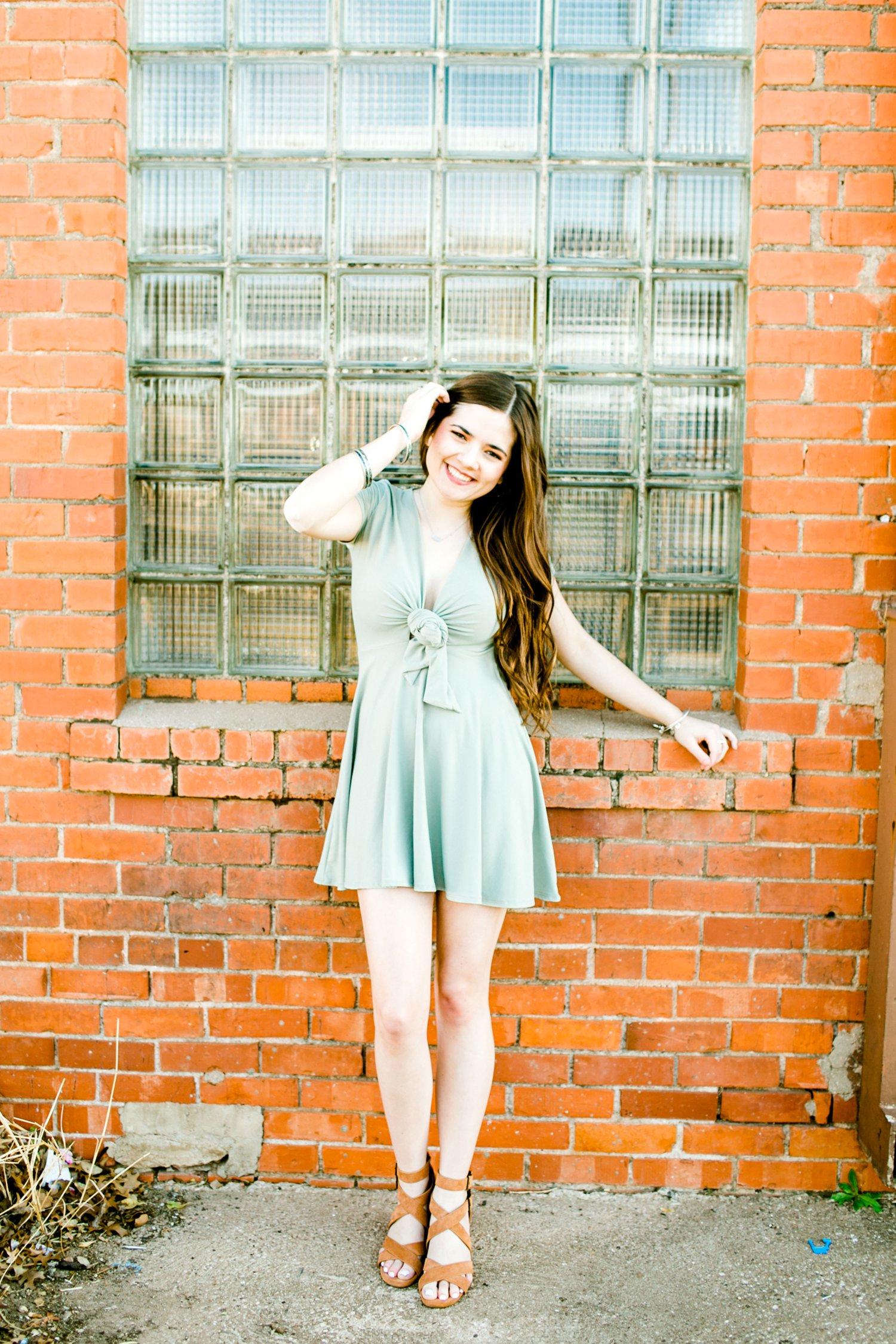 Emma-Stapleton-High-School-Senior-Photographer-Lubbock_0026.jpg