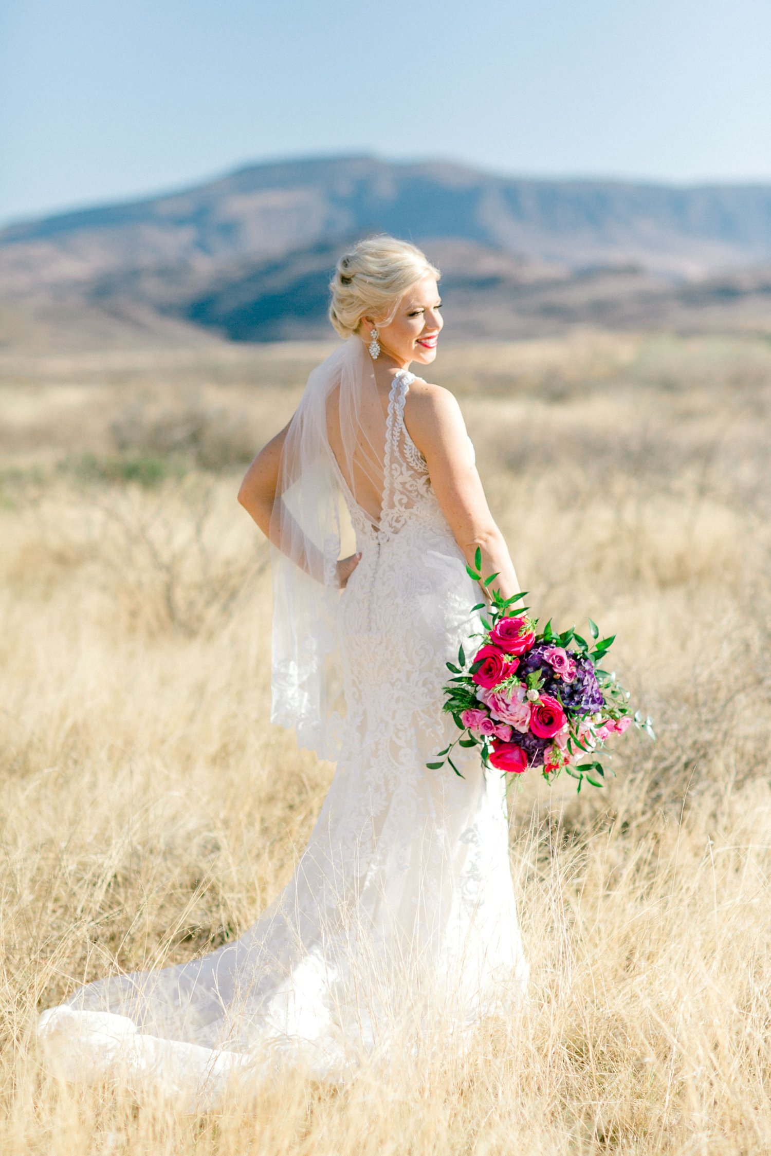 Jenna-evans-bridals-balmorhea-texas-fort-davis-wedding-photographer-lubbock-photographer__0013.jpg