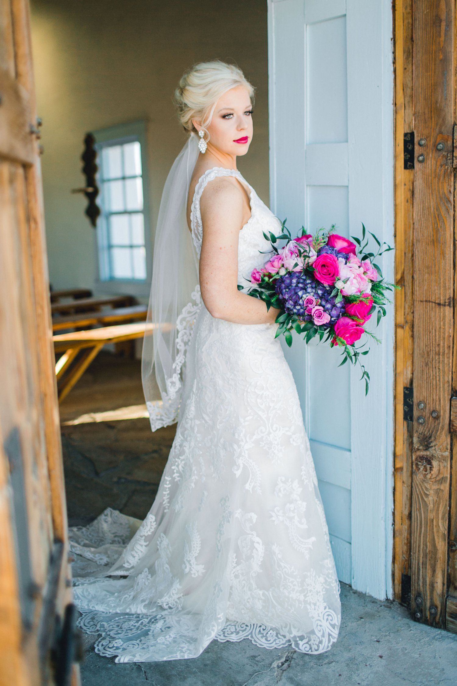 Jenna-evans-bridals-balmorhea-texas-fort-davis-wedding-photographer-lubbock-photographer__0022.jpg