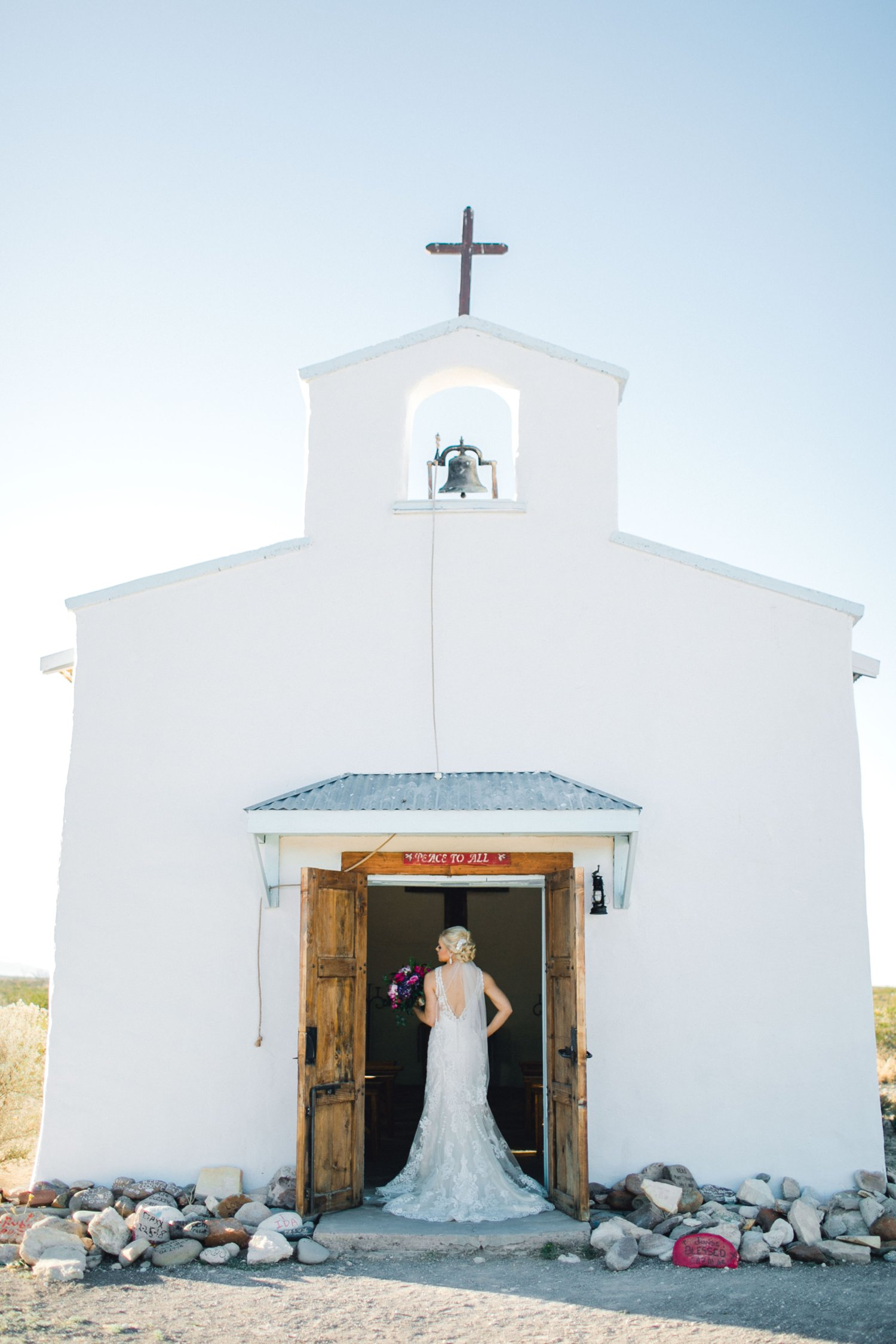 Jenna-evans-bridals-balmorhea-texas-fort-davis-wedding-photographer-lubbock-photographer__0023.jpg