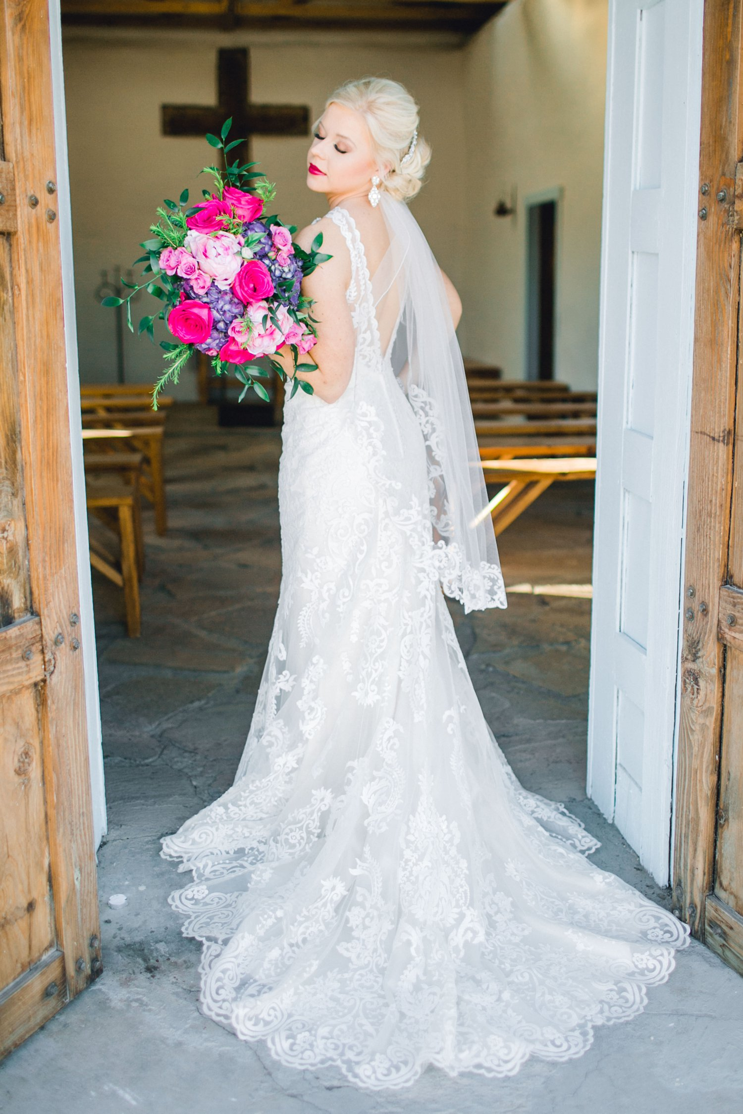 Jenna-evans-bridals-balmorhea-texas-fort-davis-wedding-photographer-lubbock-photographer__0026.jpg