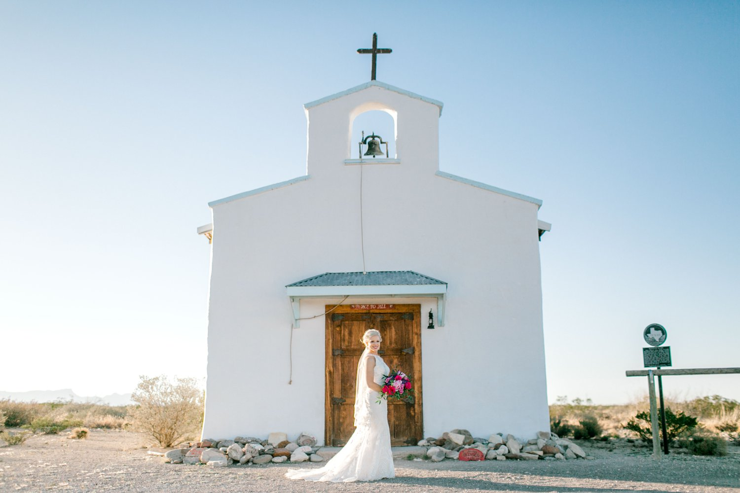 Jenna-evans-bridals-balmorhea-texas-fort-davis-wedding-photographer-lubbock-photographer__0036.jpg