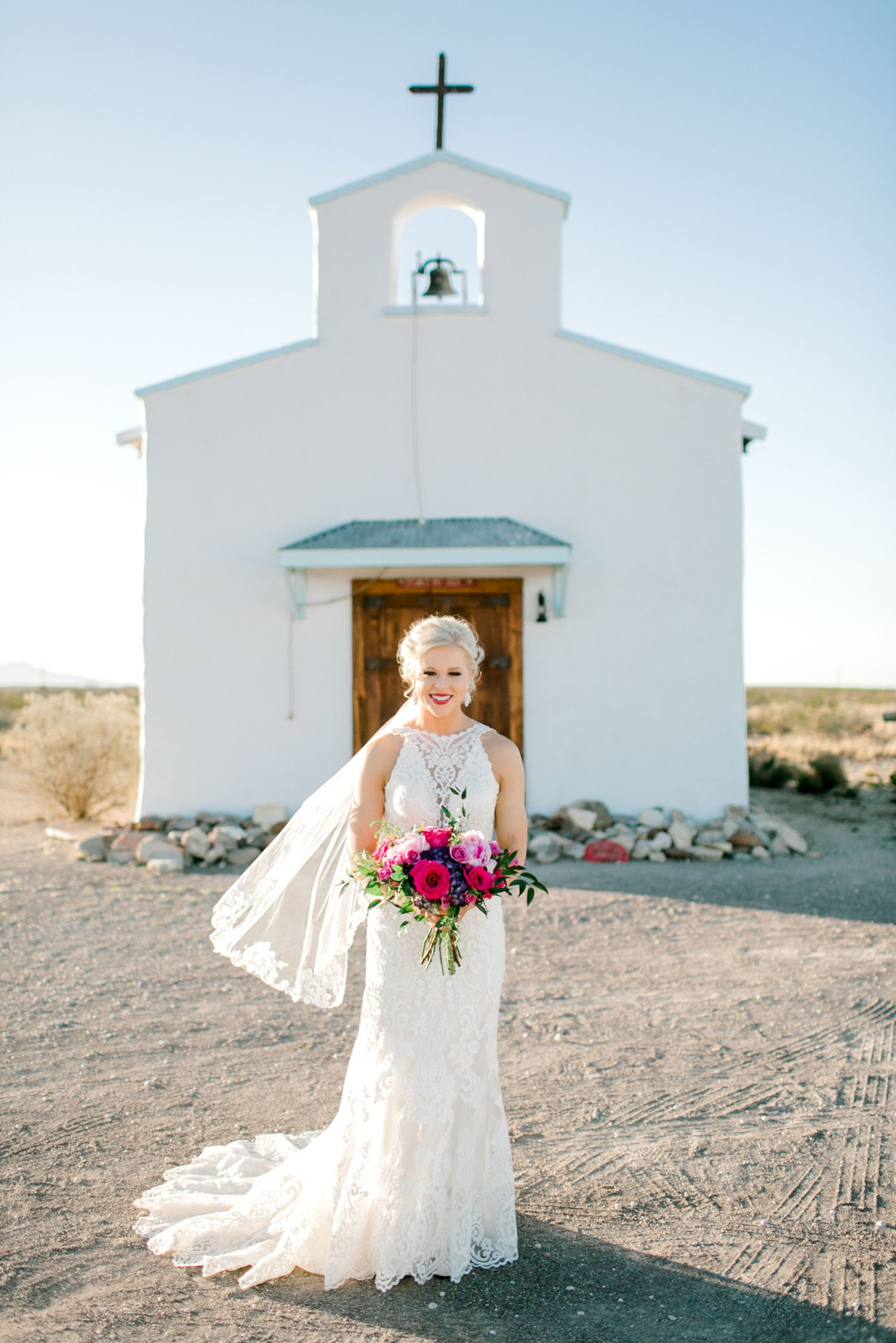 Jenna-evans-bridals-balmorhea-texas-fort-davis-wedding-photographer-lubbock-photographer__0037.jpg