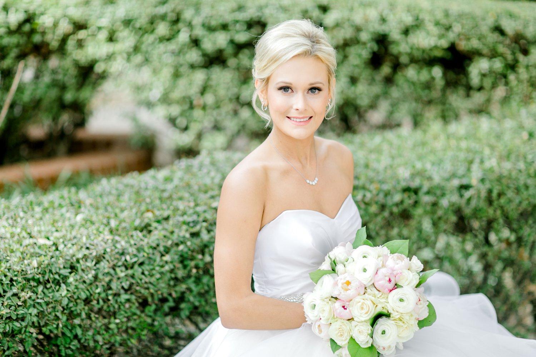 Taylor-Williams-Merket-Alumni-Center-Texas-Tech-Weddings-Lubbock-Photographer_0013.jpg