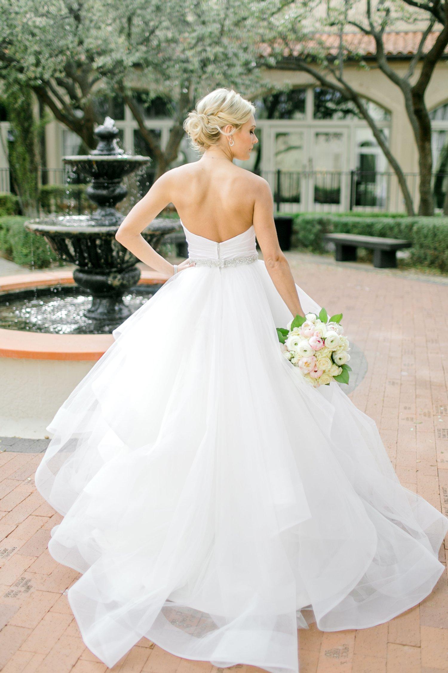 Taylor-Williams-Merket-Alumni-Center-Texas-Tech-Weddings-Lubbock-Photographer_0014.jpg