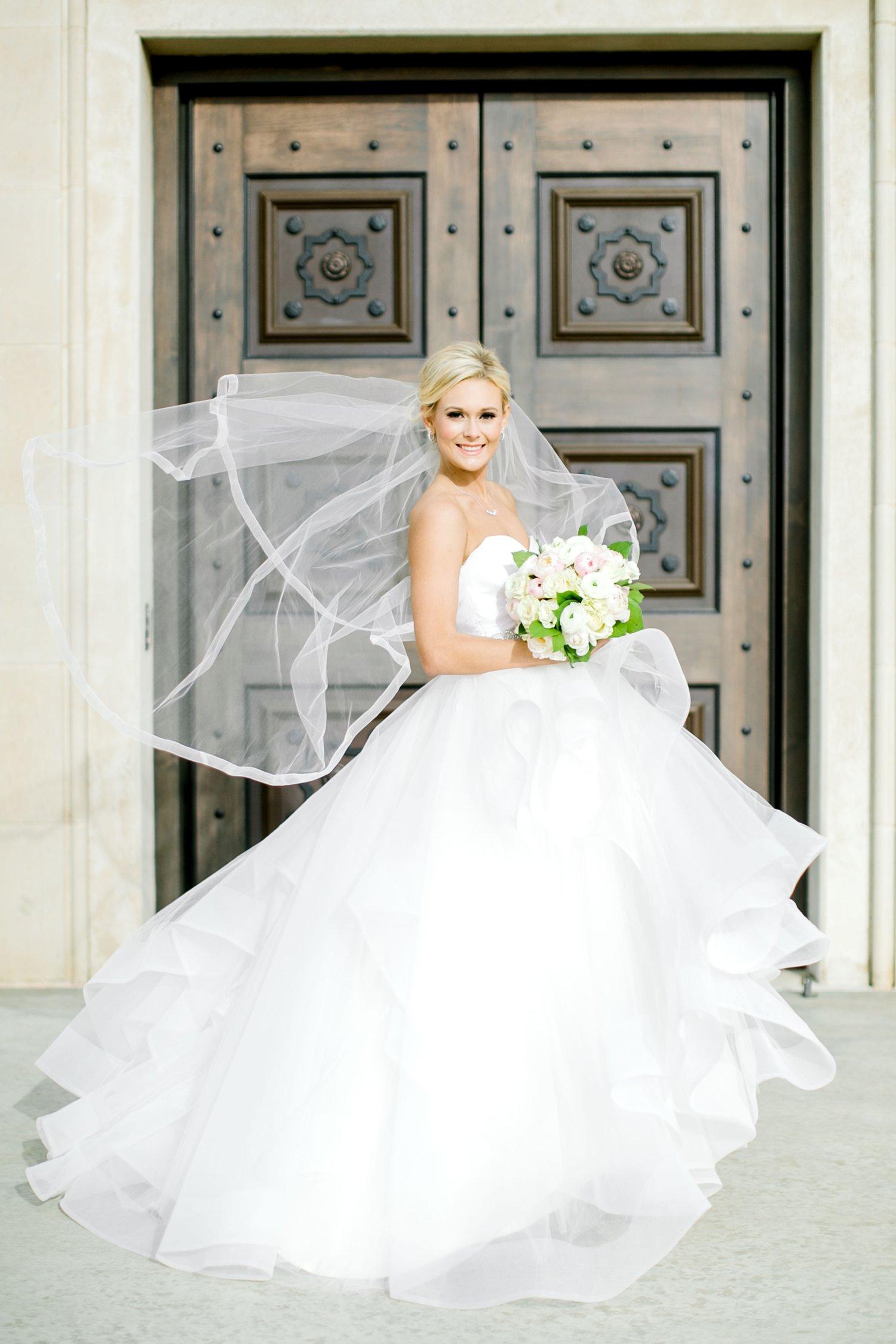 Taylor-Williams-Merket-Alumni-Center-Texas-Tech-Weddings-Lubbock-Photographer_0027.jpg