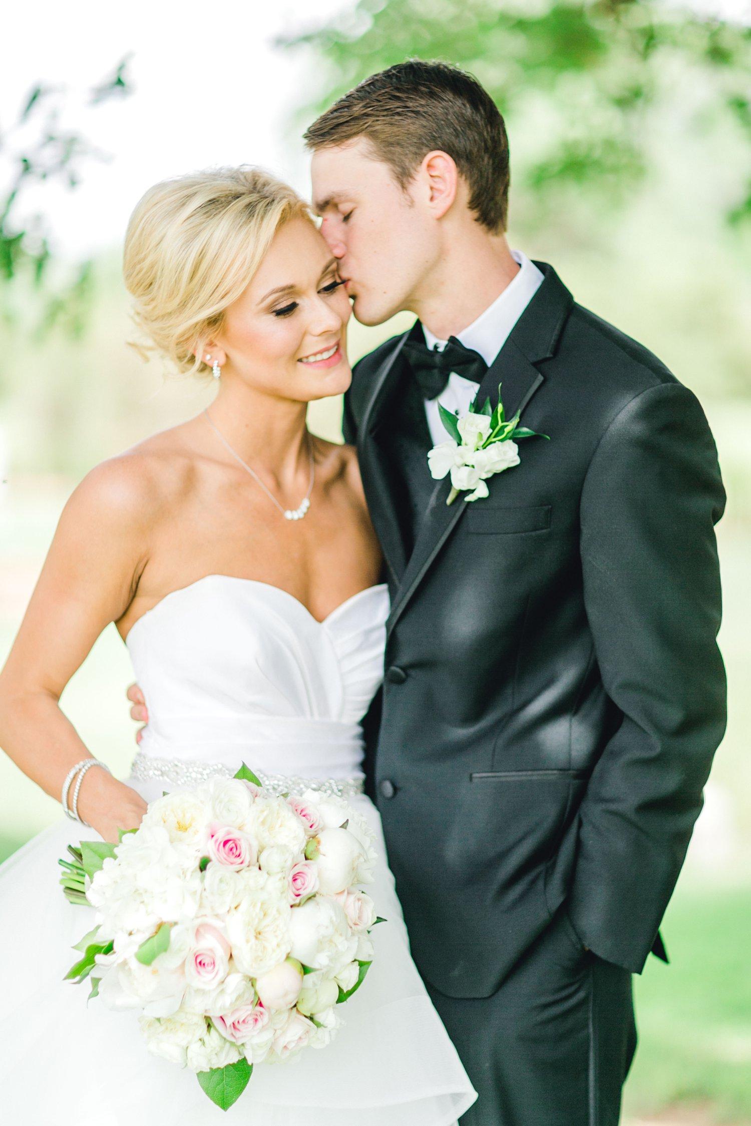 Taylor-and-Brock-Williams-Texas-Tech-University-Merket-Alumni-Center-Lubbock-Photographer-ALLEEJ0060.jpg