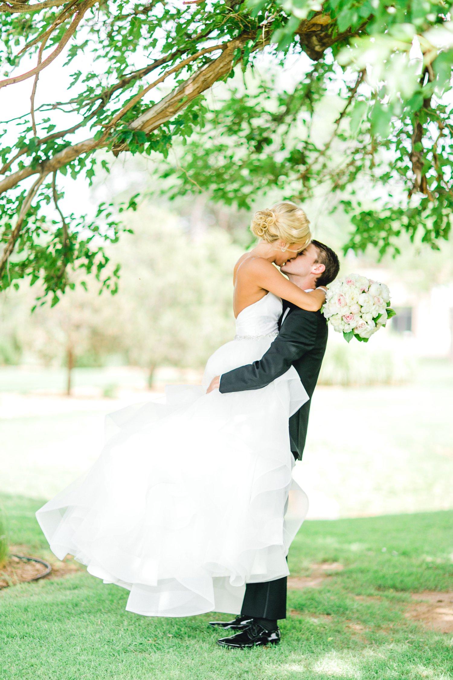 Taylor-and-Brock-Williams-Texas-Tech-University-Merket-Alumni-Center-Lubbock-Photographer-ALLEEJ0085.jpg
