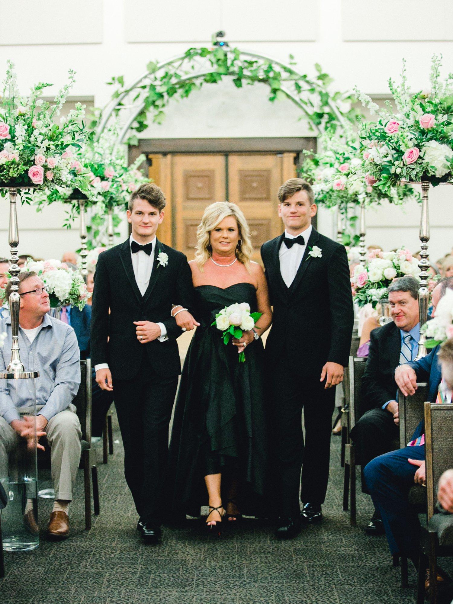 Taylor-and-Brock-Williams-Texas-Tech-University-Merket-Alumni-Center-Lubbock-Photographer-ALLEEJ0112.jpg