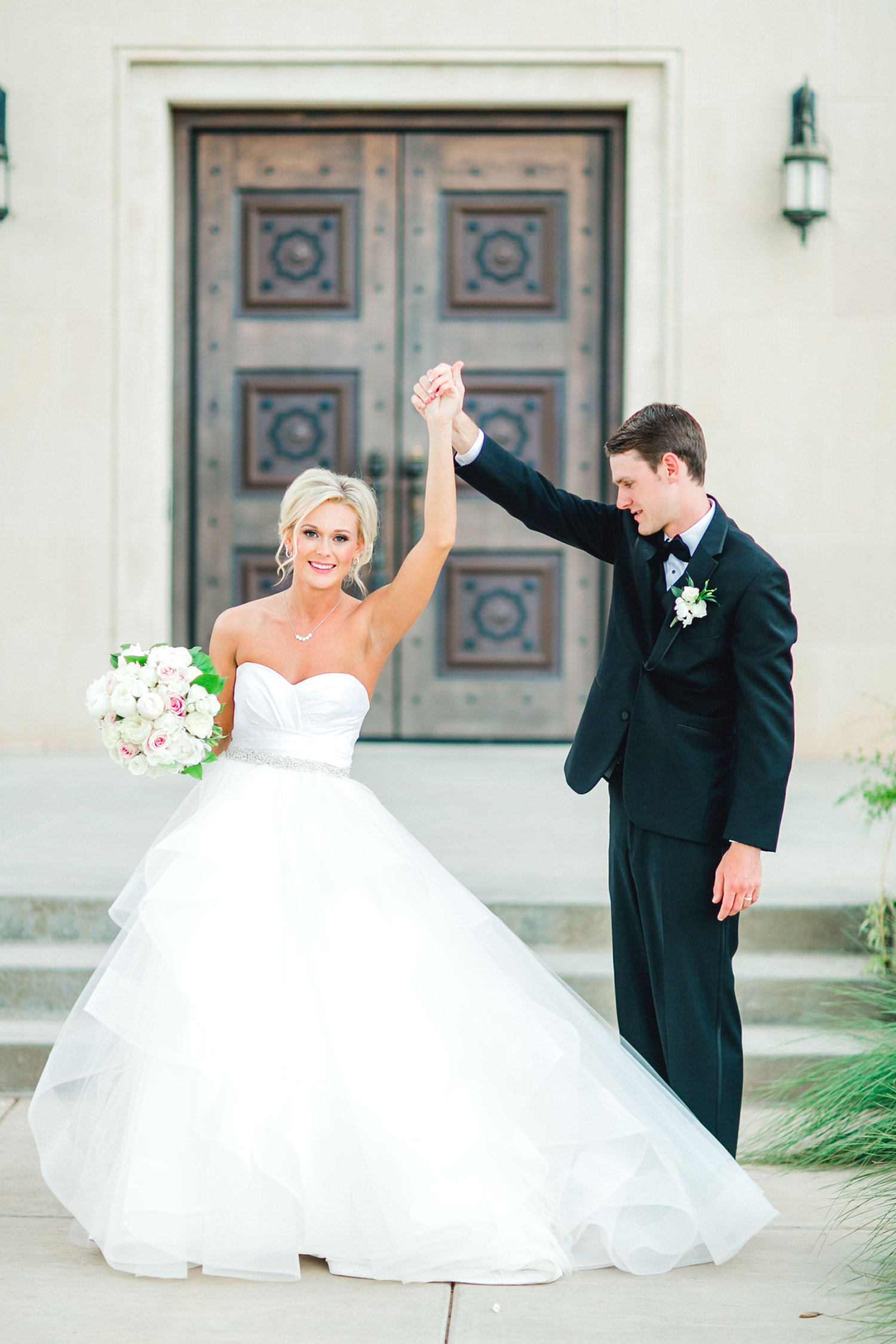 Taylor-and-Brock-Williams-Texas-Tech-University-Merket-Alumni-Center-Lubbock-Photographer-ALLEEJ0161.jpg