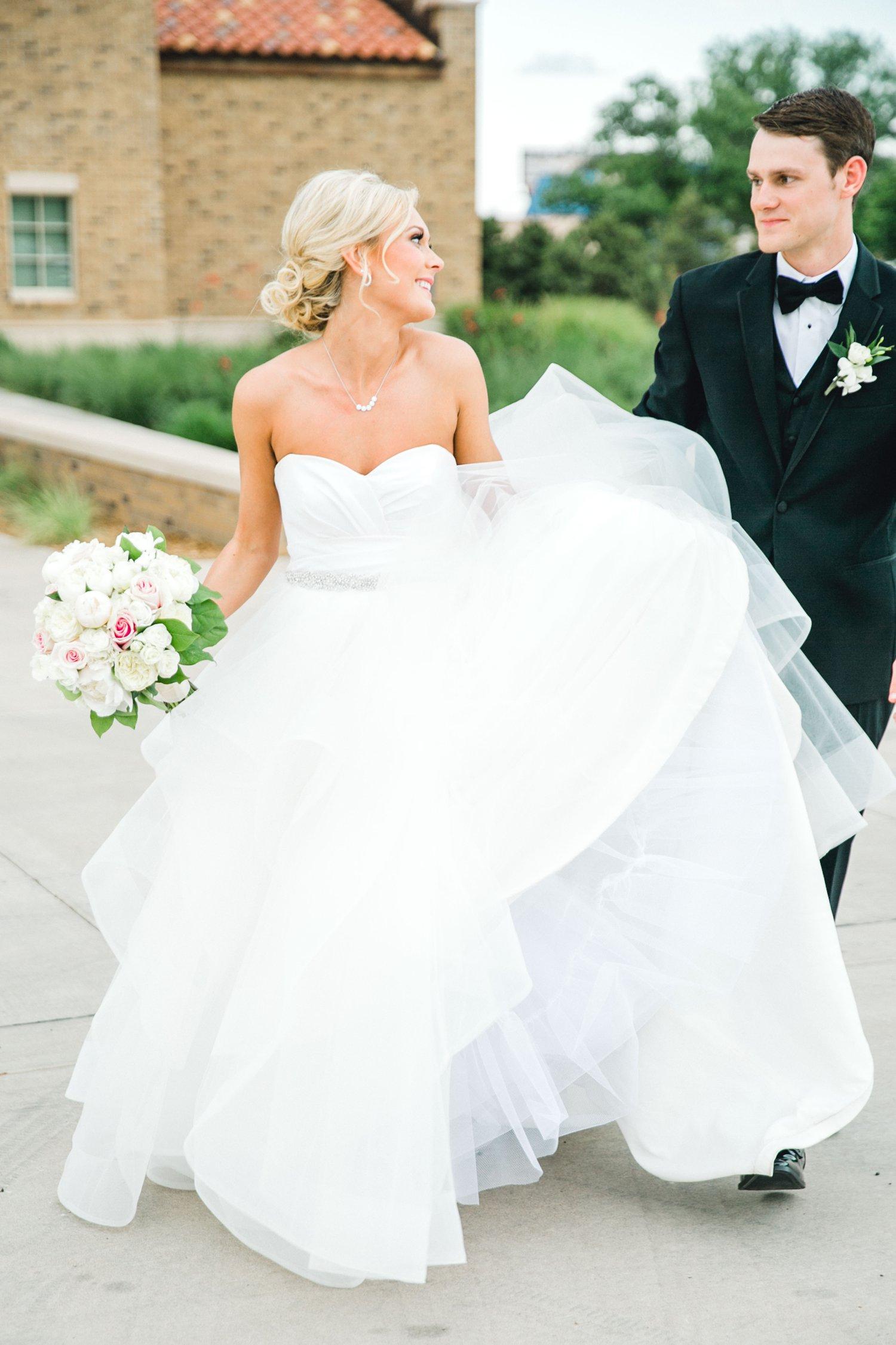 Taylor-and-Brock-Williams-Texas-Tech-University-Merket-Alumni-Center-Lubbock-Photographer-ALLEEJ0165.jpg