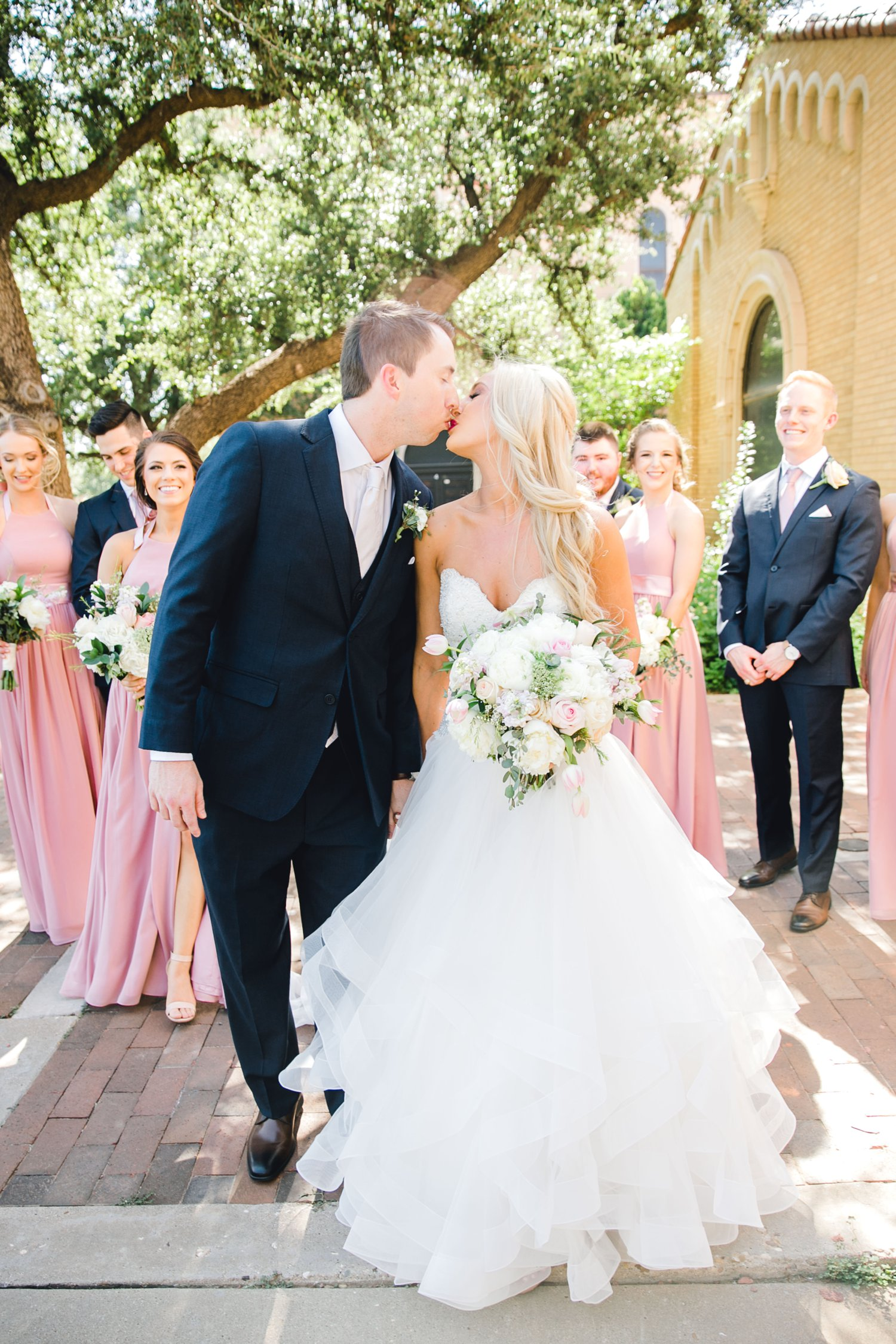 MADI_AND_WILL_STEPHENS_ALLEEJ_LUBBOCK_PHOTOGRAPHER_TEXAS+TECH+FRAZIER_ALUMNI0075.jpg