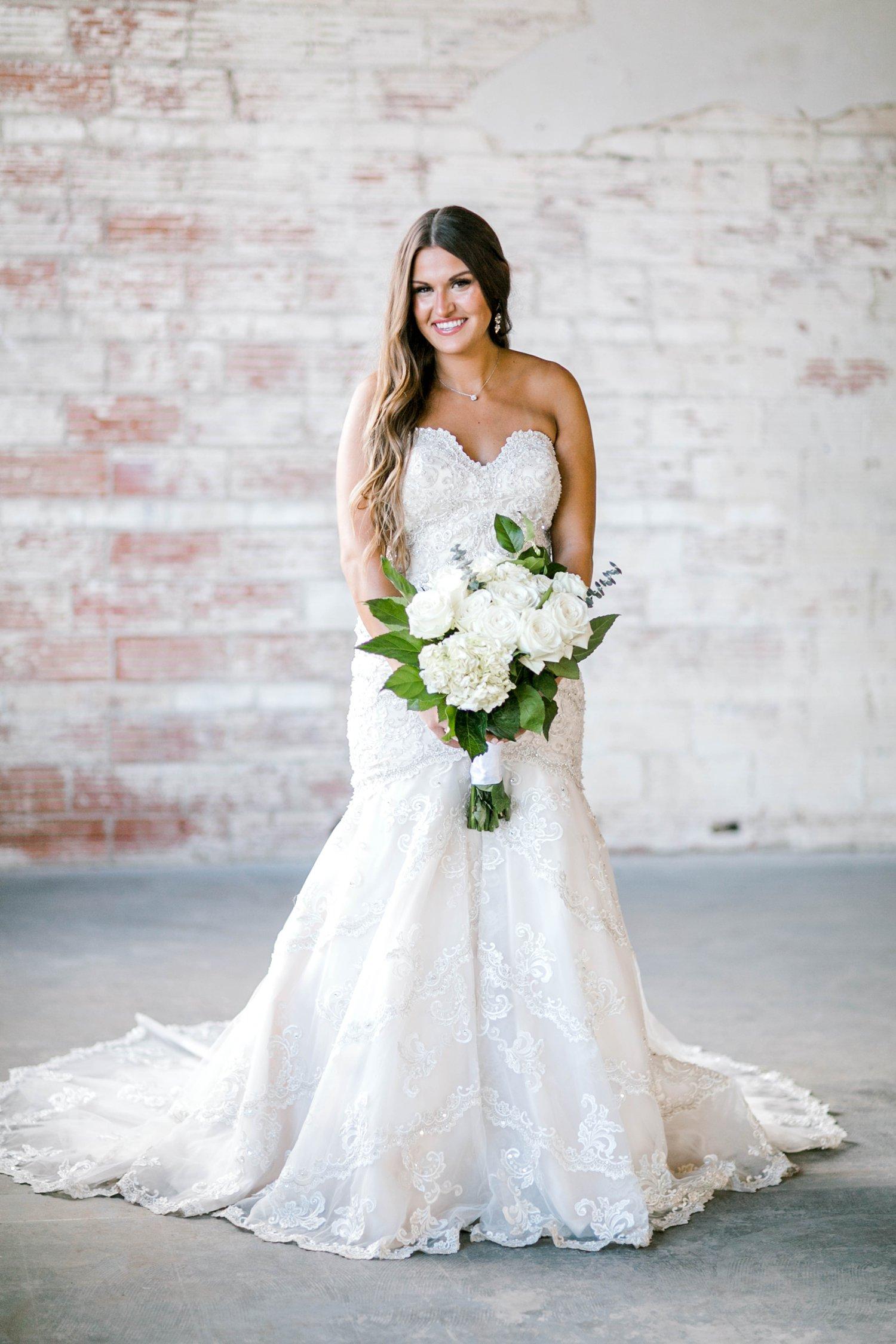 Kendra_Hill_Bridals_ALLEEJ_Lubbock_Wedding_Photographer_LHUCA_0001.jpg