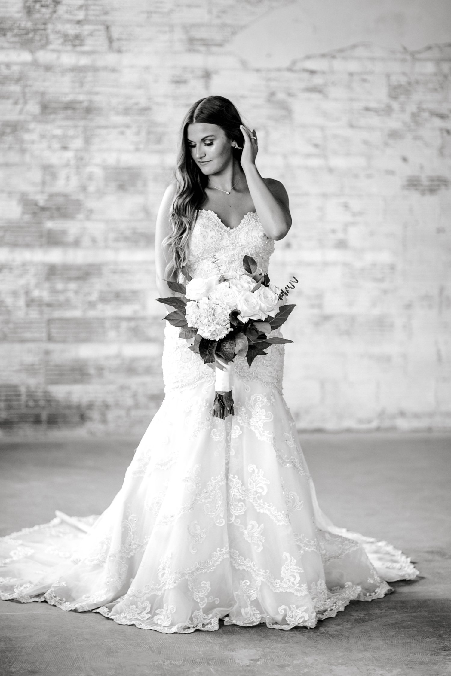 Kendra_Hill_Bridals_ALLEEJ_Lubbock_Wedding_Photographer_LHUCA_0003.jpg
