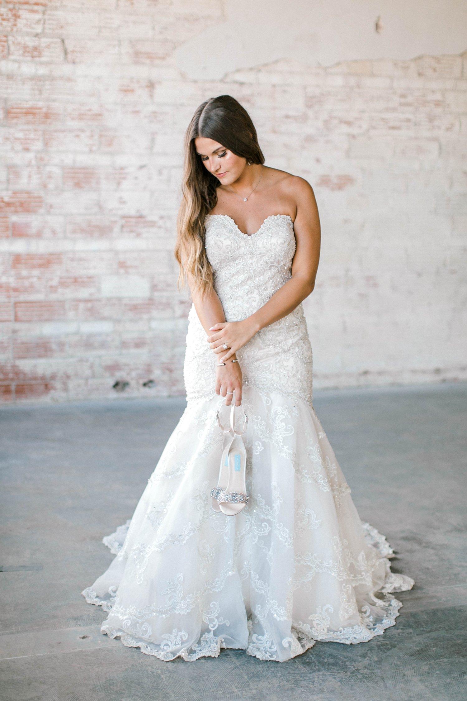 Kendra_Hill_Bridals_ALLEEJ_Lubbock_Wedding_Photographer_LHUCA_0017.jpg
