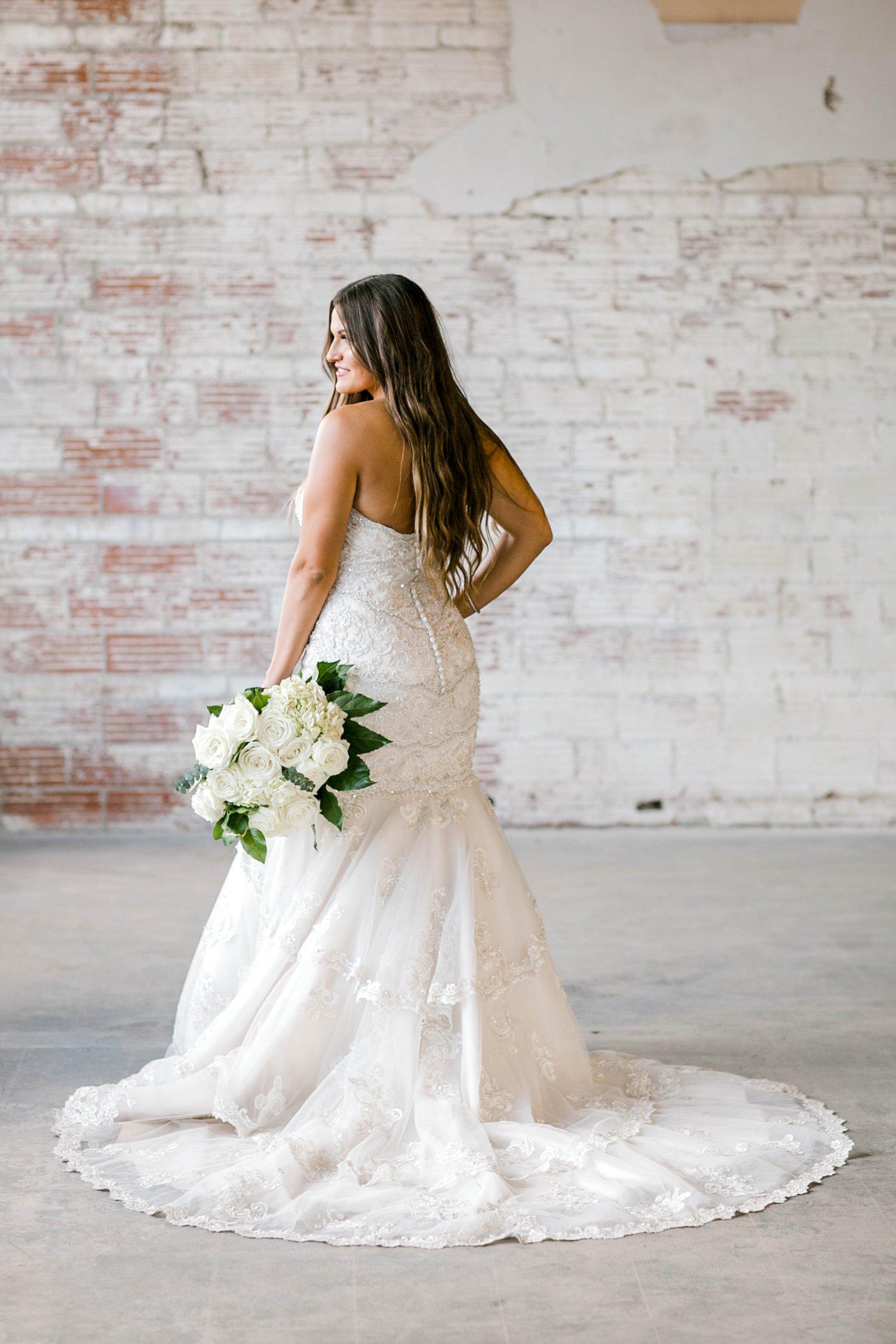 Kendra_Hill_Bridals_ALLEEJ_Lubbock_Wedding_Photographer_LHUCA_0024.jpg