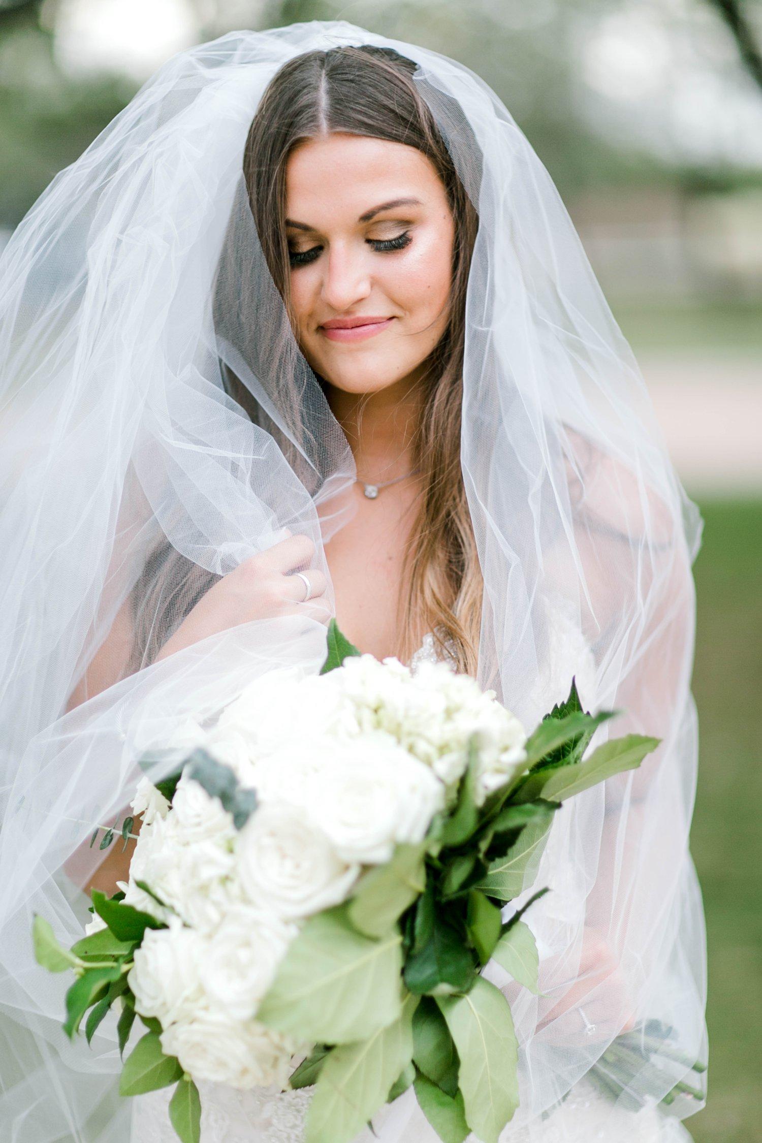 Kendra_Hill_Bridals_ALLEEJ_Lubbock_Wedding_Photographer_LHUCA_0044.jpg