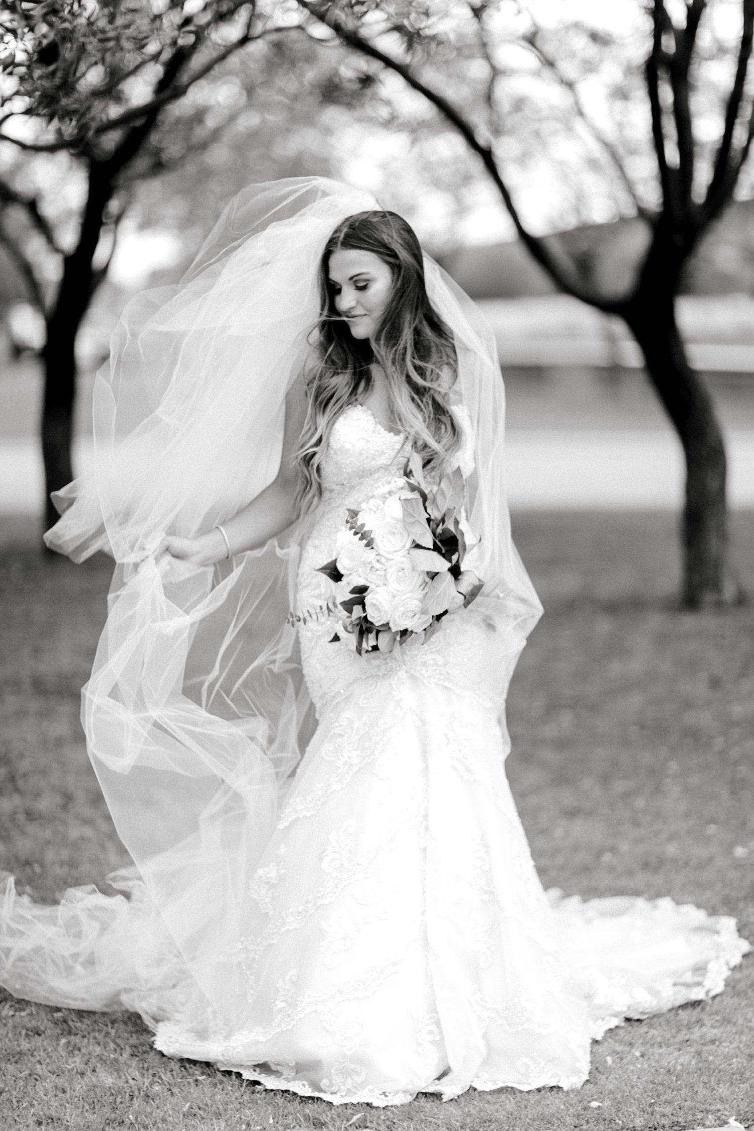 Kendra_Hill_Bridals_ALLEEJ_Lubbock_Wedding_Photographer_LHUCA_0047.jpg
