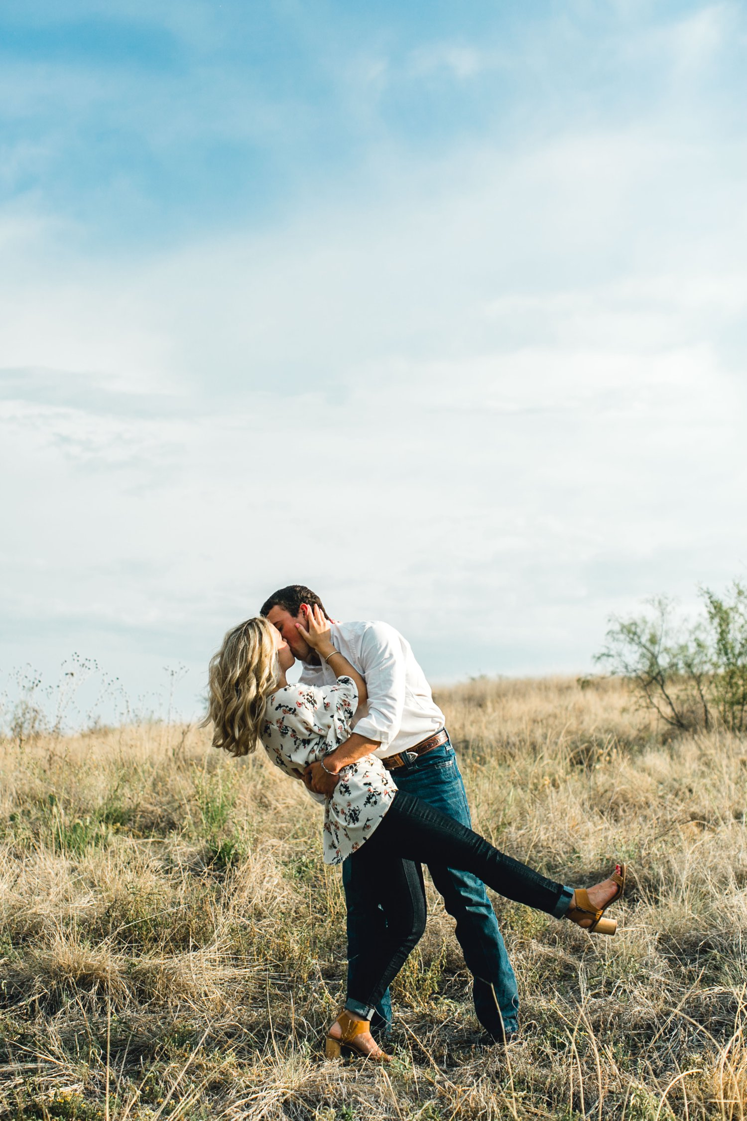 Allison_and_Clay_Smart_Engagements_ALLEEJ_Lubbock_Photographer_0039.jpg