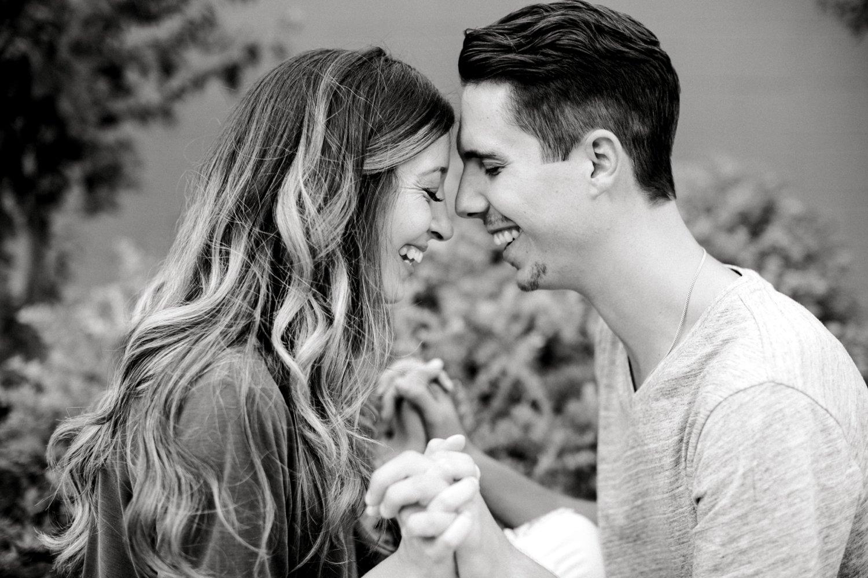 Ashley_and_John_English_ALLEEJ_Lubbock_Engagement_Photographer_0027.jpg