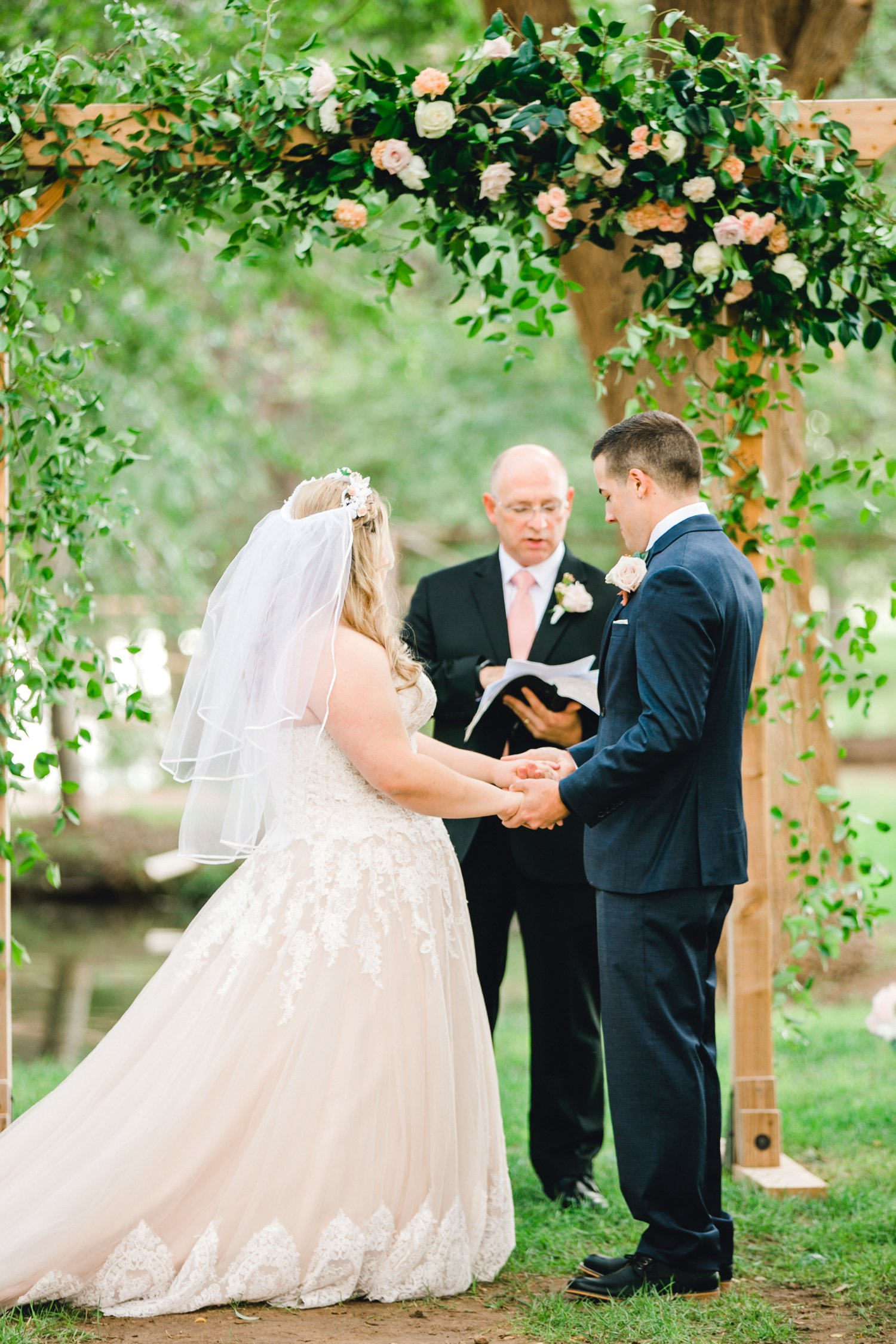 SARAH_AND_GEOFFREY_SHARP_SPIRIT_RANCH_WEDDING_ALLEEJ_LUBBOCK_TX_0060.jpg