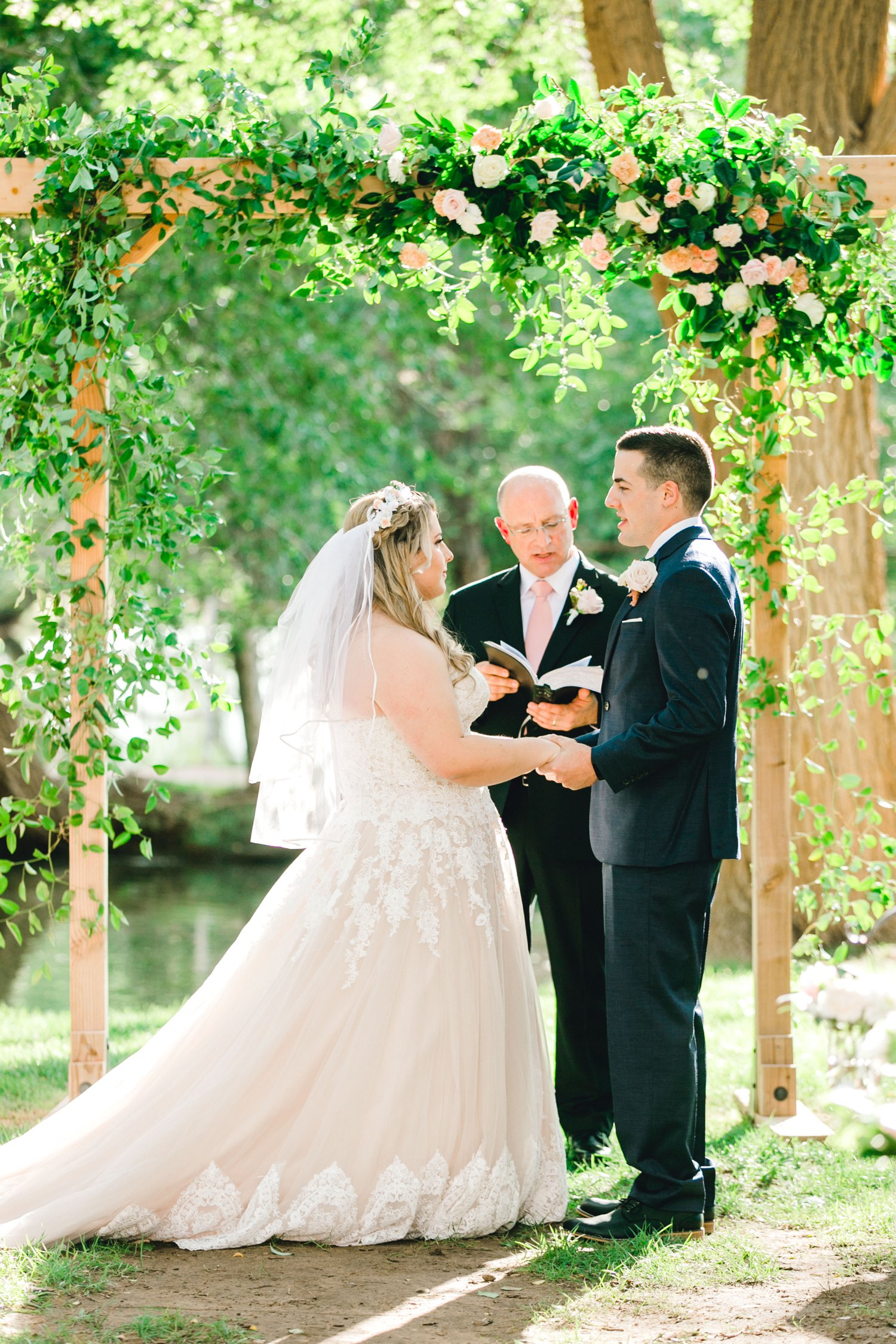 SARAH_AND_GEOFFREY_SHARP_SPIRIT_RANCH_WEDDING_ALLEEJ_LUBBOCK_TX_0065.jpg